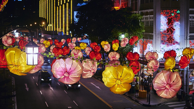 STREET LIGHT UP - PHOTOGRAPHY : LIKHITHA (ANYA) MURALIKRISHNA - NIKON D810 - NIKKOR 50MM F/1.4 @ F/4 - 1/125 - ISO 400