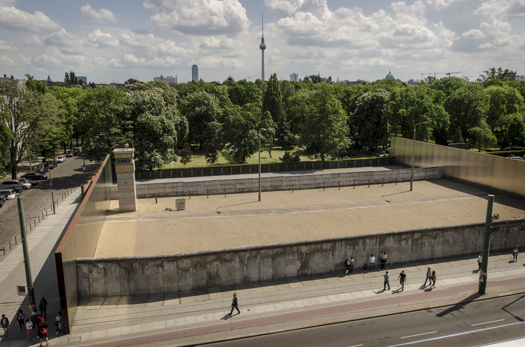 The 'Death Strip' as seen from the raised platform at the Berlin Wall Museum Photography : Alexander J.E. Bradley - Nikon D7000 - 24-70mm f/2.8 @ 70mm - f/9 - 1/125 - ISO 100