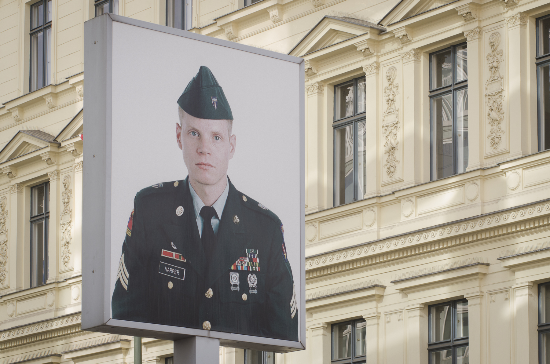 American SOLDIER, Checkpoint Charlie Photography : Alexander J.E. Bradley - Nikon D7000 - 80-200mm f/2.8 @ 80mm - f/11 - 1/125 - ISO 200