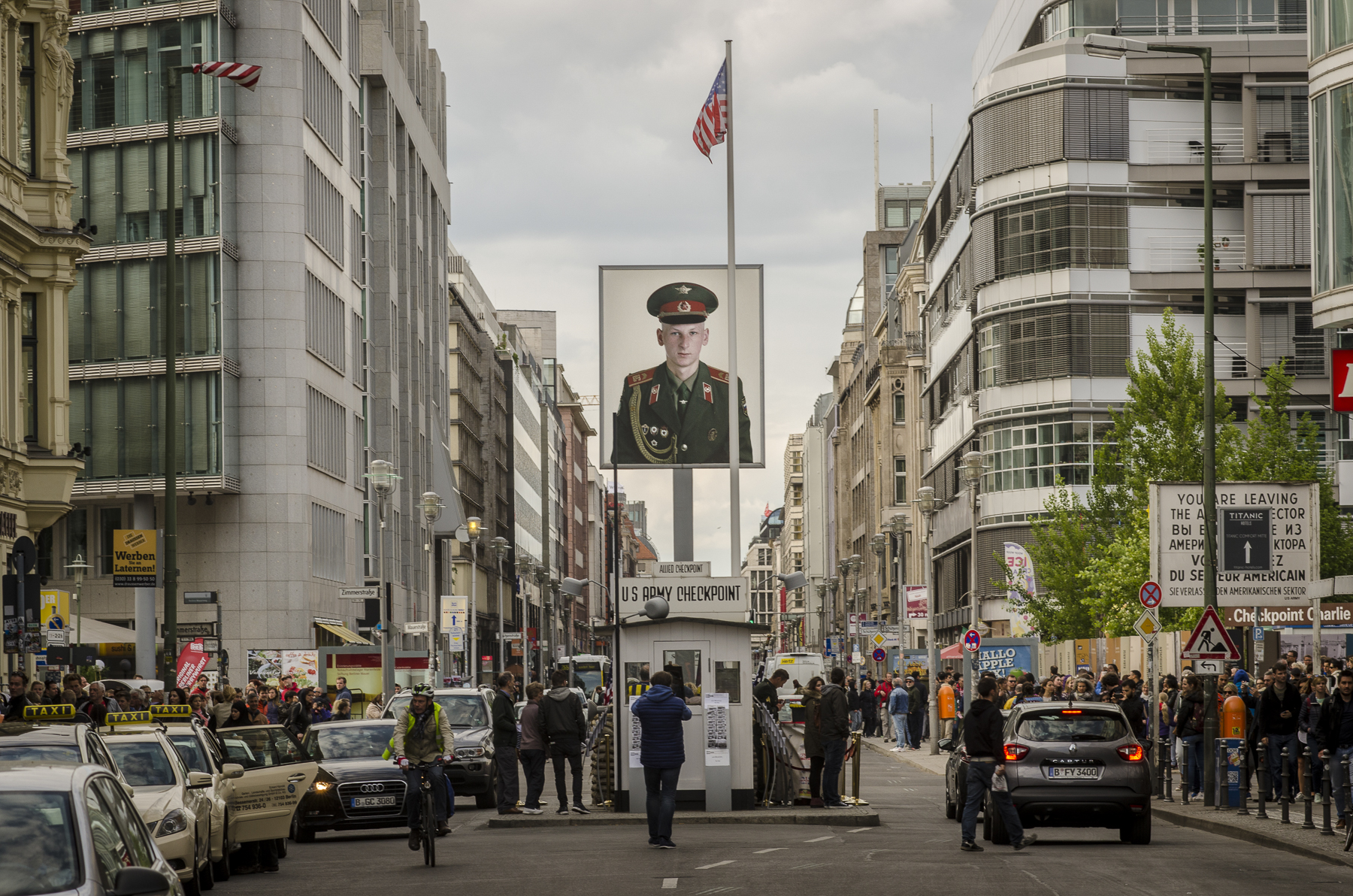 Russian SOLDIER, Checkpoint Charlie Photography : Alexander J.E. Bradley - Nikon D7000 - 80-200mm f/2.8 @ 120mm - f/11 - 1/125 - ISO 200