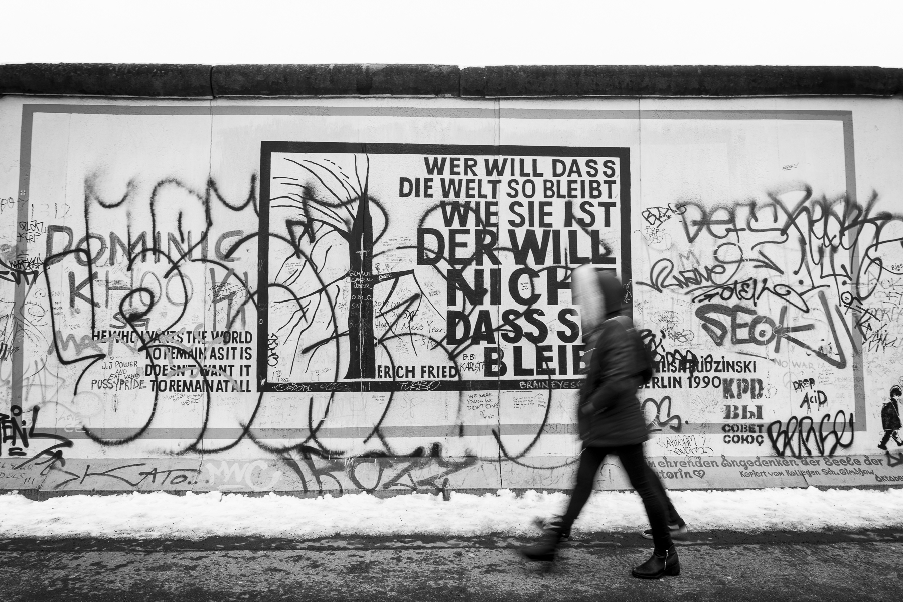 East Side Gallery Photography : Alexander J.E. Bradley - Nikon D500 - 14-70mm f/2.8 @ 15mm - f8 - 1/20 - ISO 100