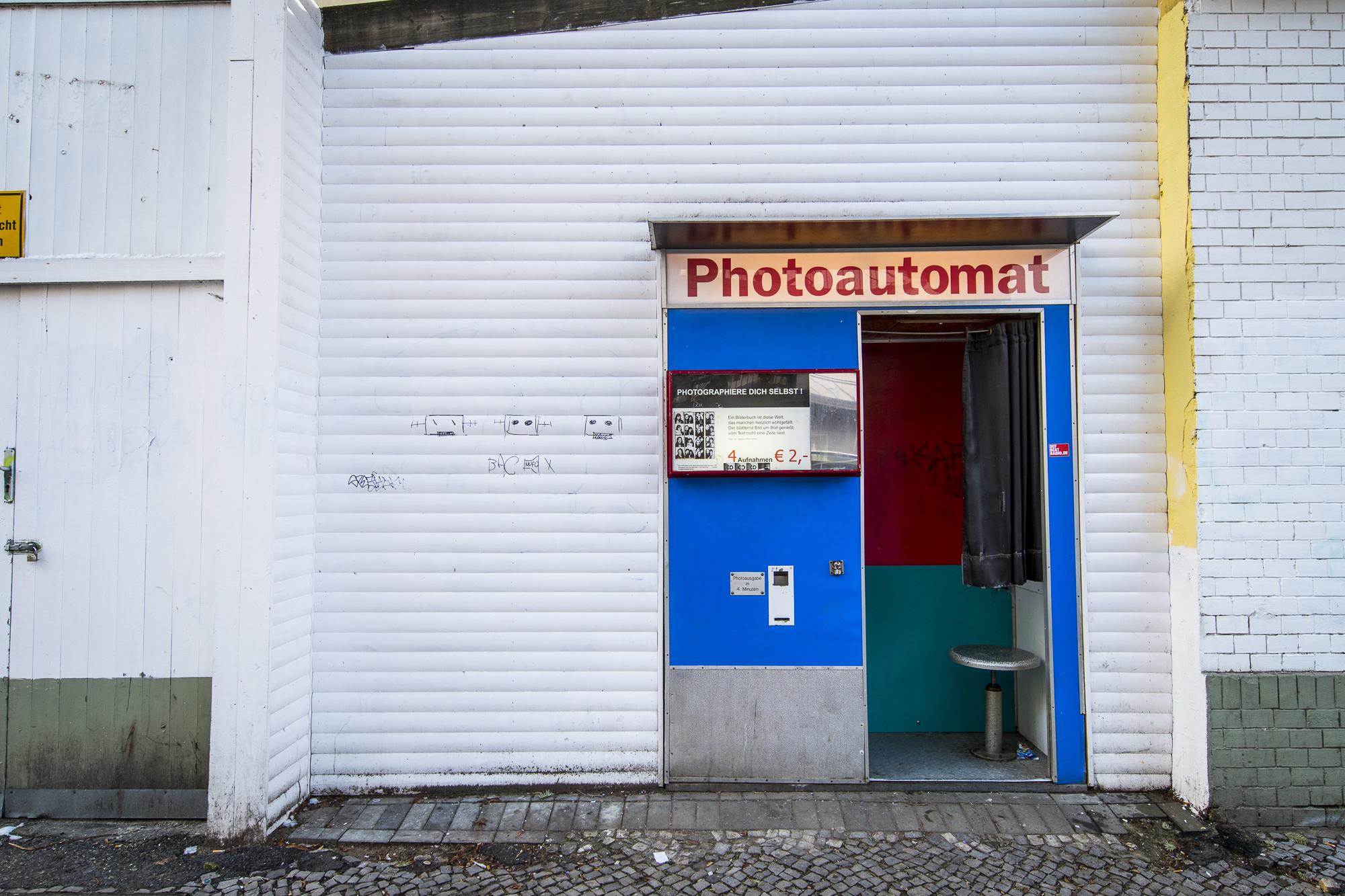 Hobrechtstraße 57  PHOTOGRAPHY: ALEXANDER J.E. BRADLEY • NIKON D500 • AF-S NIKKOR 14-24MM F/2.8G ED @ 16MM • F/5.6 • 1/125 • ISO 200