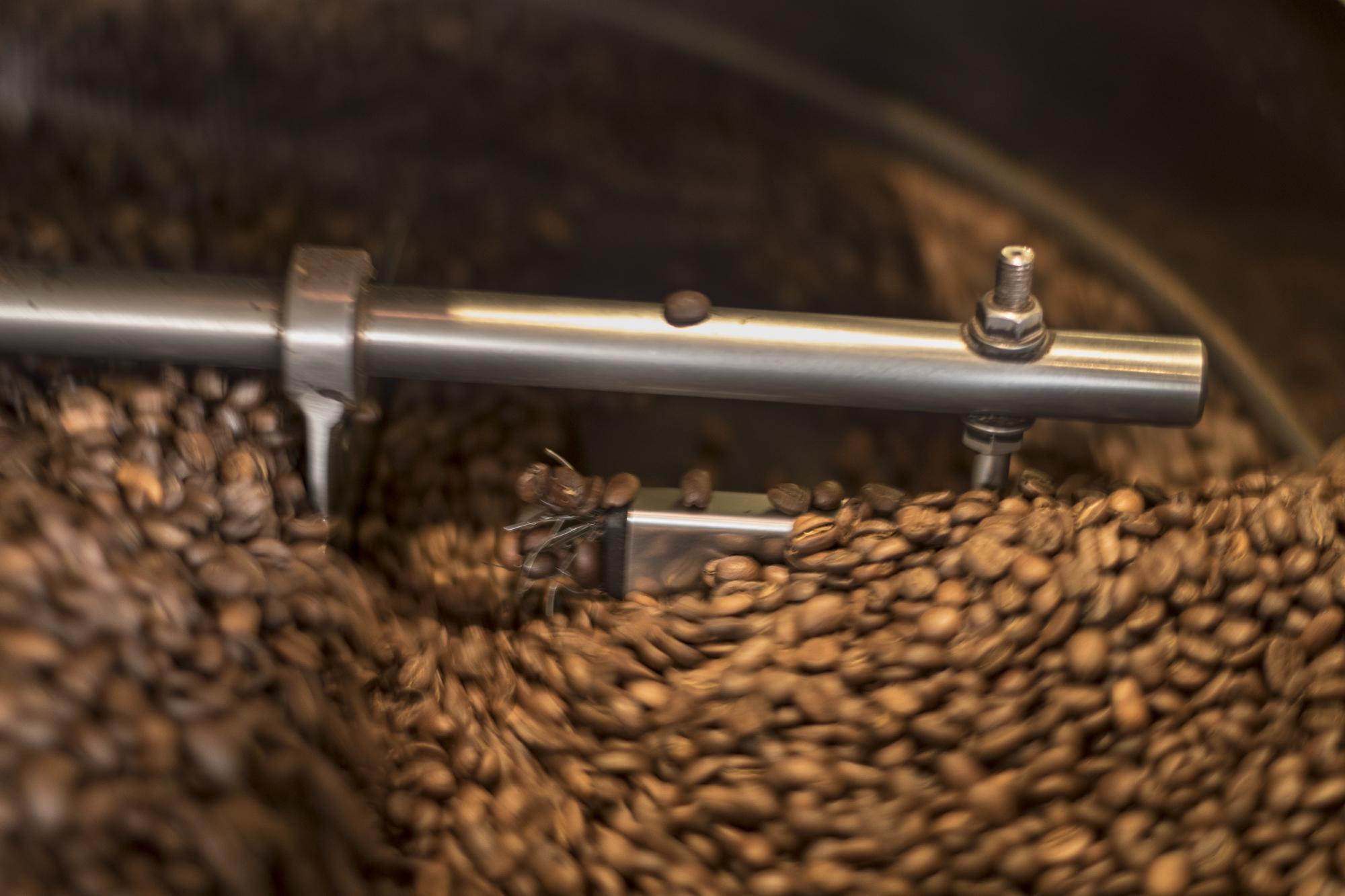Aouba CafÉ  PHOTOGRAPHY: ALEXANDER J.E. BRADLEY • NIKON D500 •AF-S Nikkor 50mm f/1.8G • F/1.8 • 1/30 • ISO 250