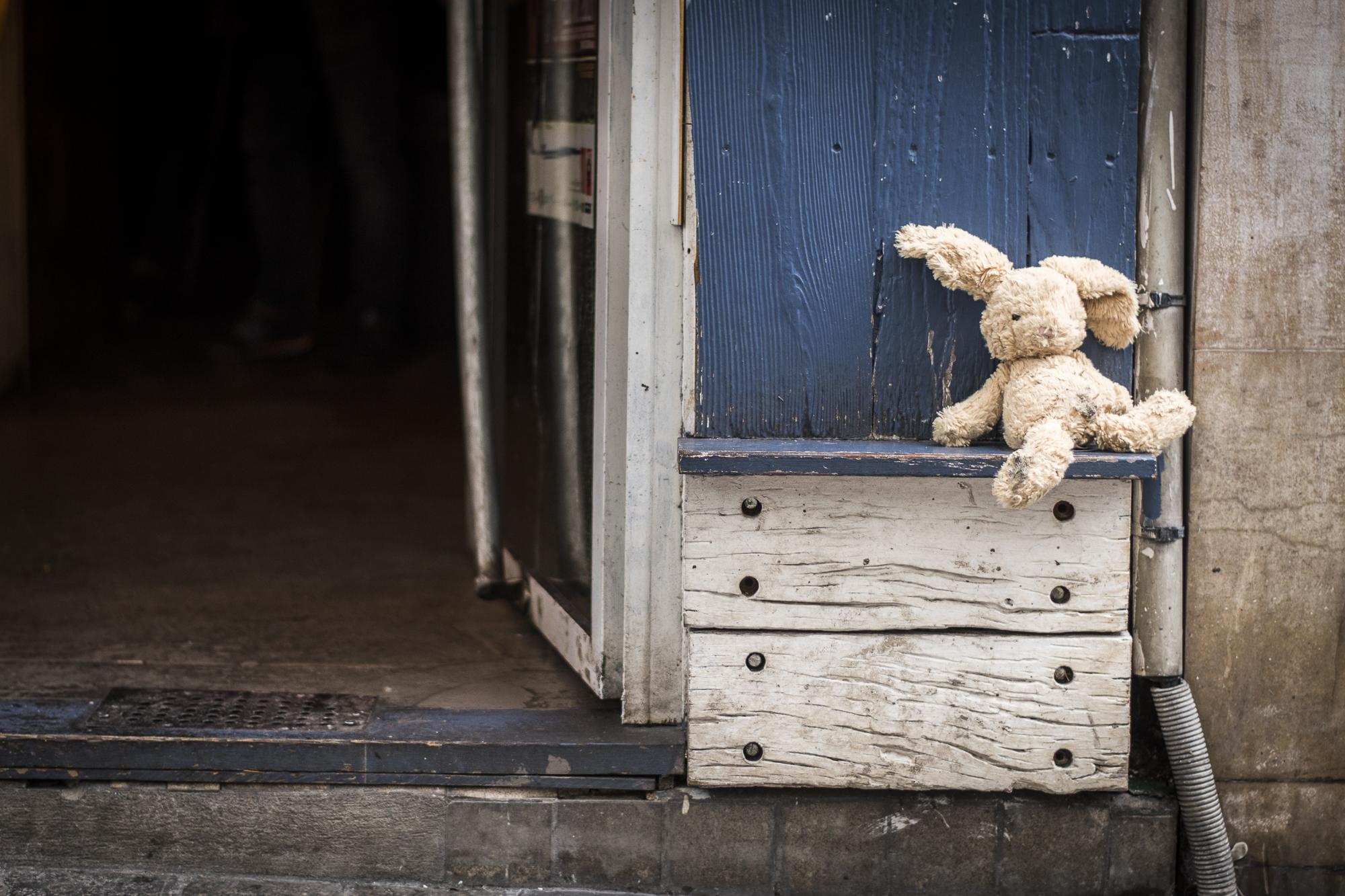 Rue de Cotte  PHOTOGRAPHY: ALEXANDER J.E. BRADLEY • NIKON D500 •AF-S Nikkor 50mm f/1.8G • F/1.8 • 1/125 • ISO 400