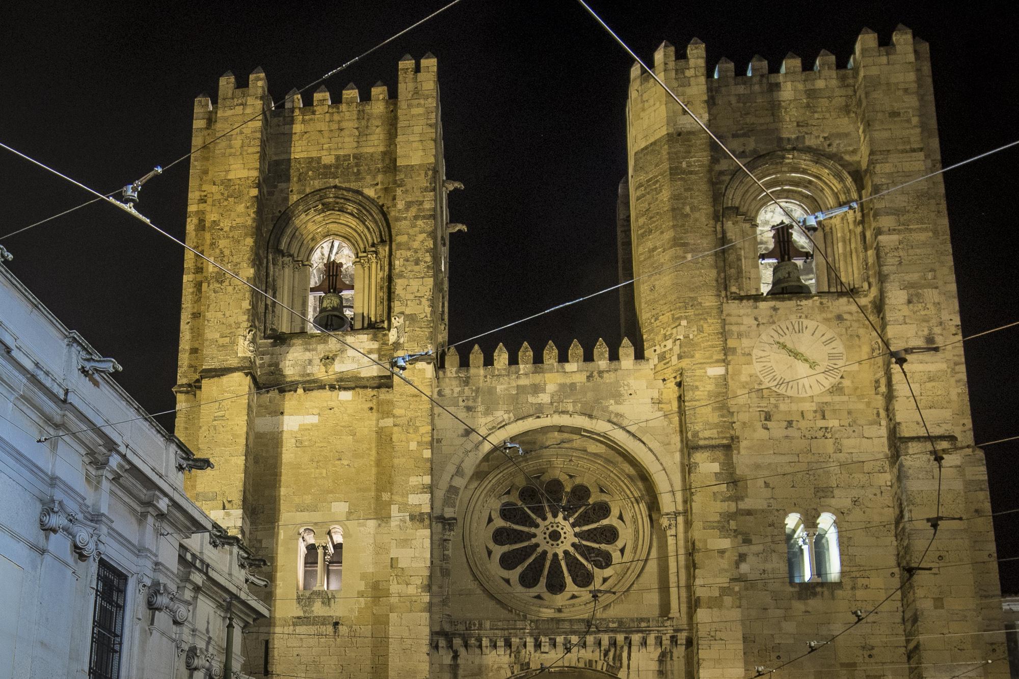 Lisbon Cathedral  PHOTOGRAPHY: ALEXANDER J.E. BRADLEY •NIKON D500 • AF-S NIKKOR 14-24mm f/2.8G ED • 15mm • F/5.6 •1/6 •ISO 400