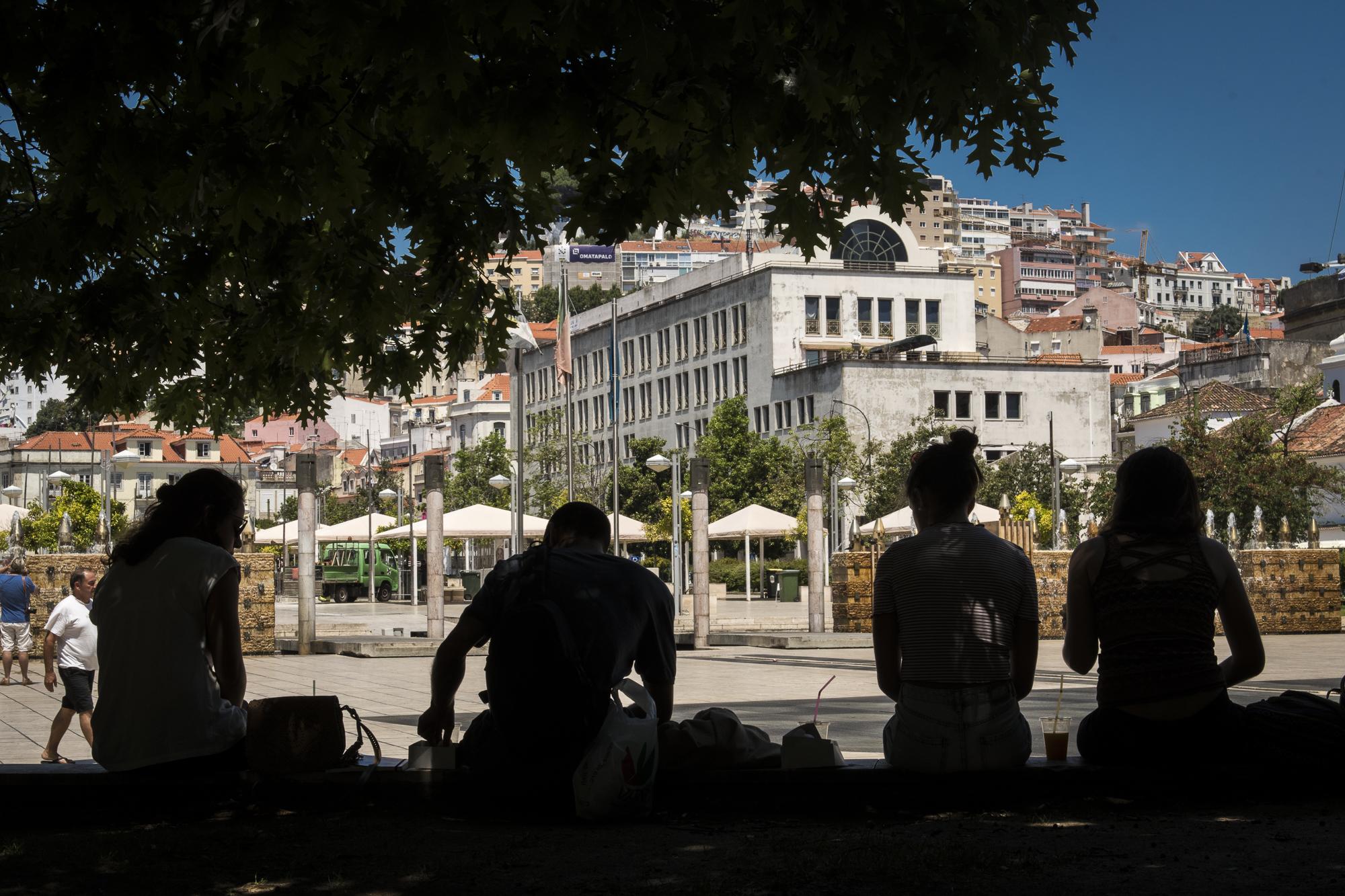 Praça Martim Moniz  PHOTOGRAPHY: ALEXANDER J.E. BRADLEY •NIKON D500 • AF-S NIKKOR 24-70mm f/2.8G ED • 42mm • F/16 •1/250 •ISO 400