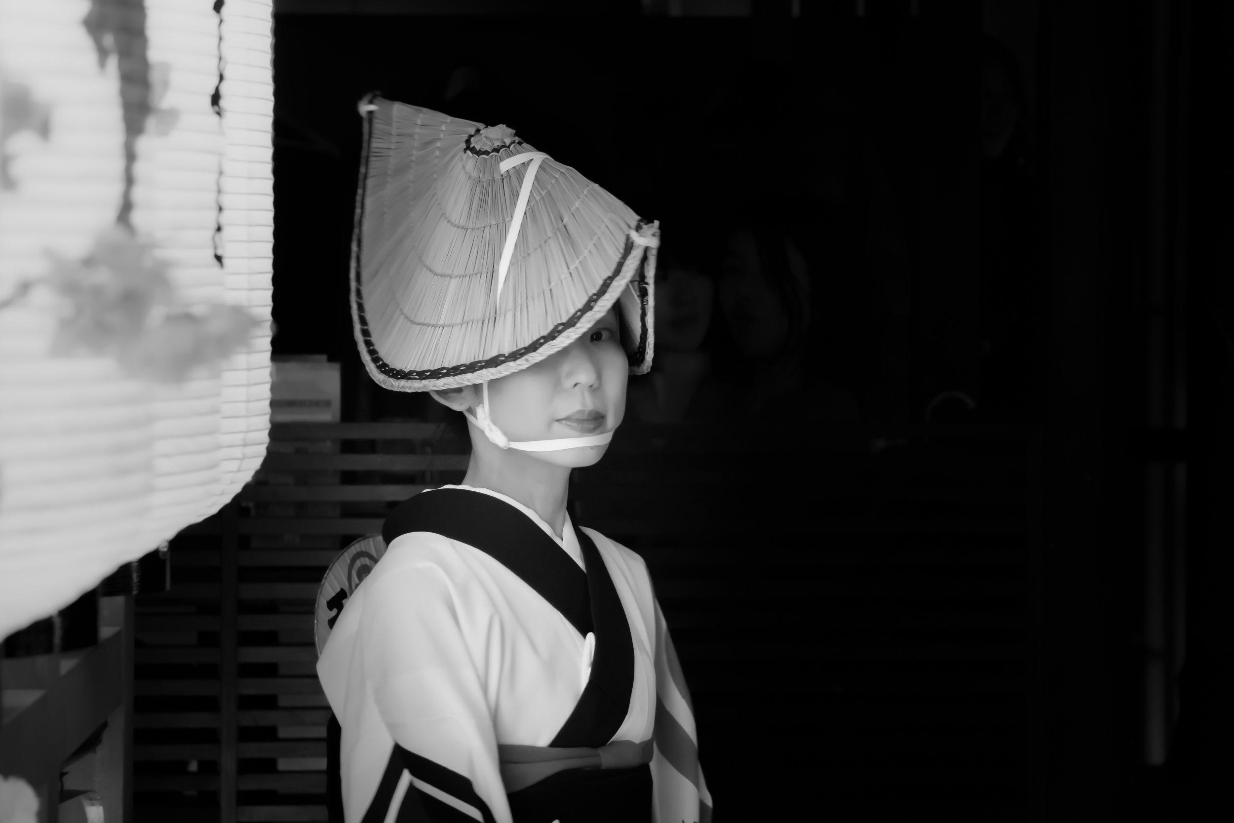 PHOTOGRAPHY: Andy Yee • Sony A6000 • E 55-210mm Ƒ/4.5-6.3 OSS @ 56MM • Ƒ/4.5 • 1/30• ISO 3200