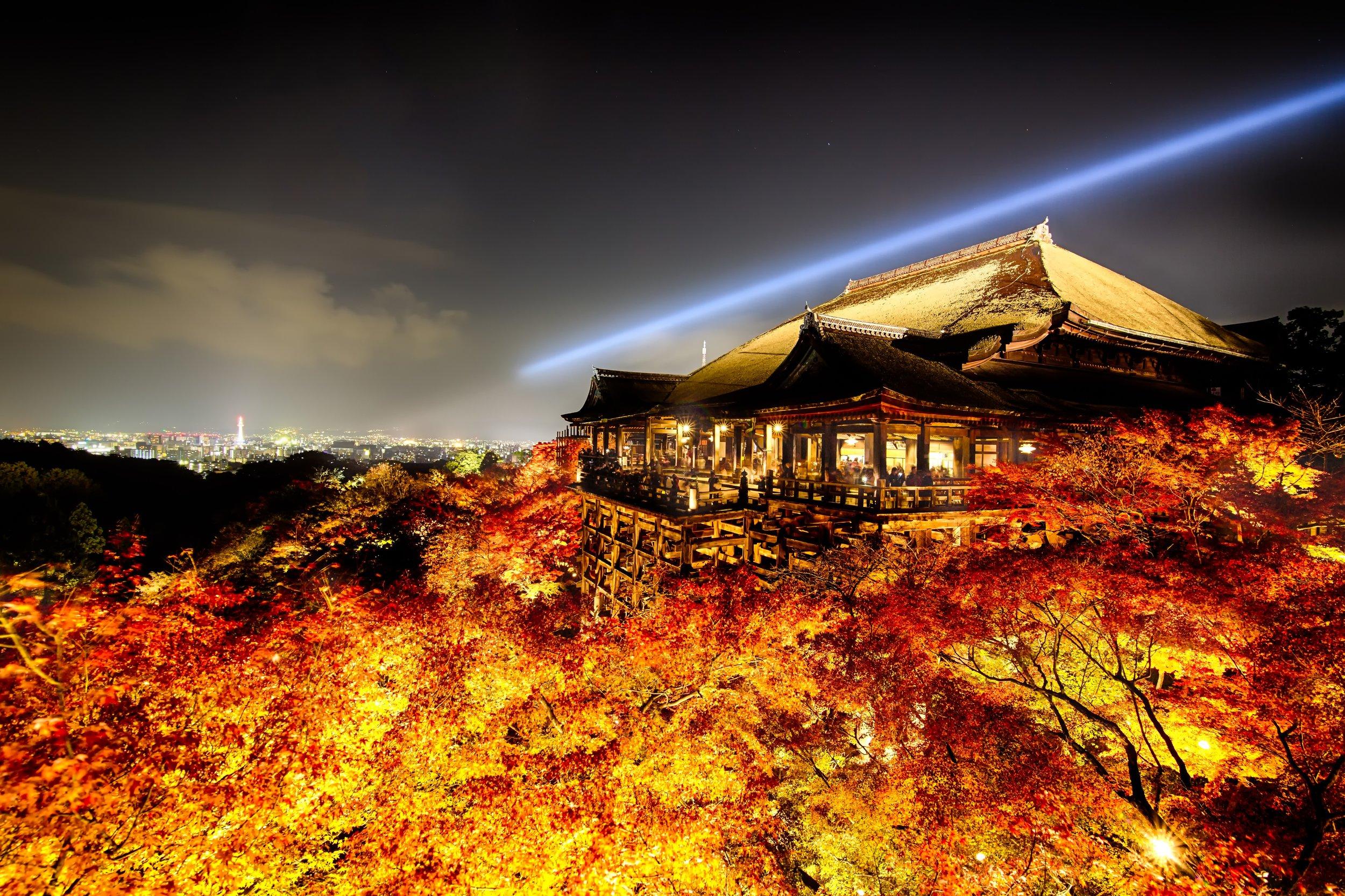 PHOTOGRAPHY: Andy Yee • Canon EOS 5D MkIII • 16-28mm Ƒ/2.8 @ 16MM • Ƒ/9 • bulb • ISO 100