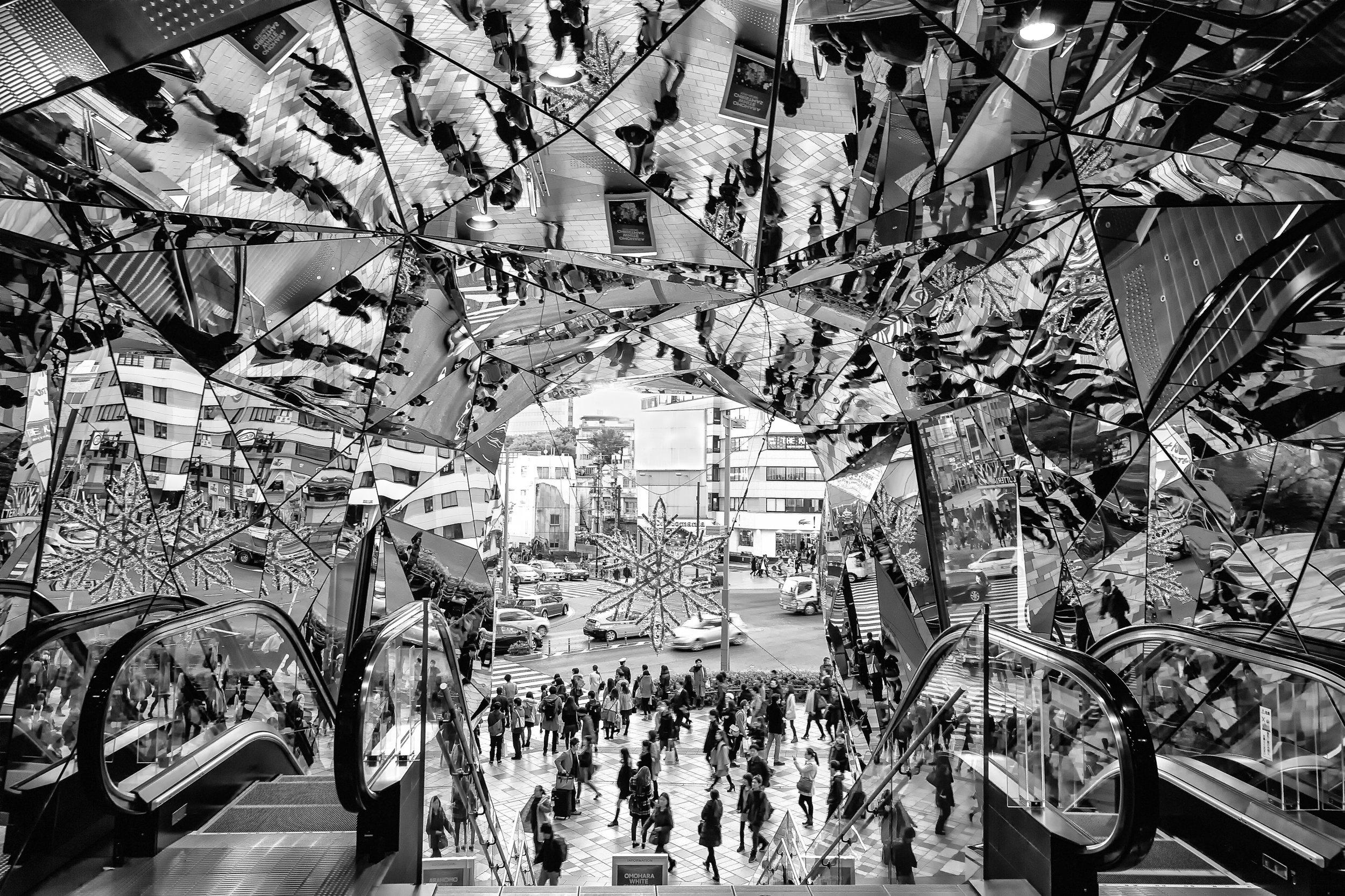 PHOTOGRAPHY: Andy Yee • Canon EOS 5D MkIII • 16-28mm Ƒ/2.8 @ 25MM • Ƒ/9 • 1/25 • ISO 100