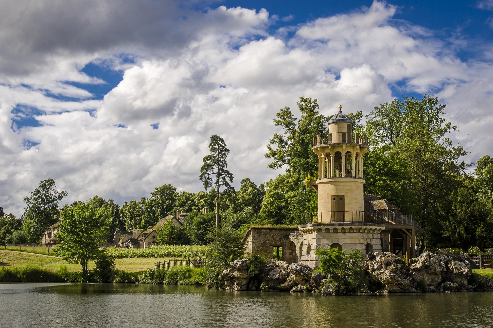La tour de la pêcherie - Hameau de la Reine  PHOTOGRAPHY: ALEXANDER J.E. BRADLEY • NIKON D7000 • AF-S NIKKOR 24-70mm f/2.8G ED @ 34mm • Ƒ/9 • 1/320• ISO 100