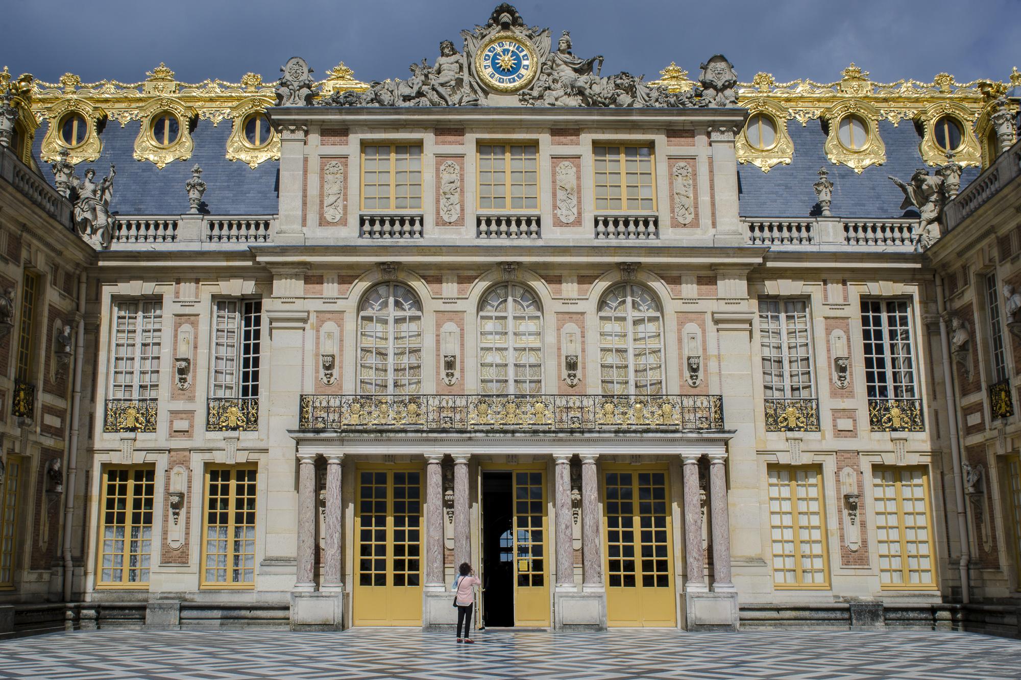 Cour de marbre  PHOTOGRAPHY: ALEXANDER J.E. BRADLEY • NIKON D7000 • AF-S NIKKOR 24-70mm f/2.8G ED @ 24mm • Ƒ/14 • 1/125• ISO 100