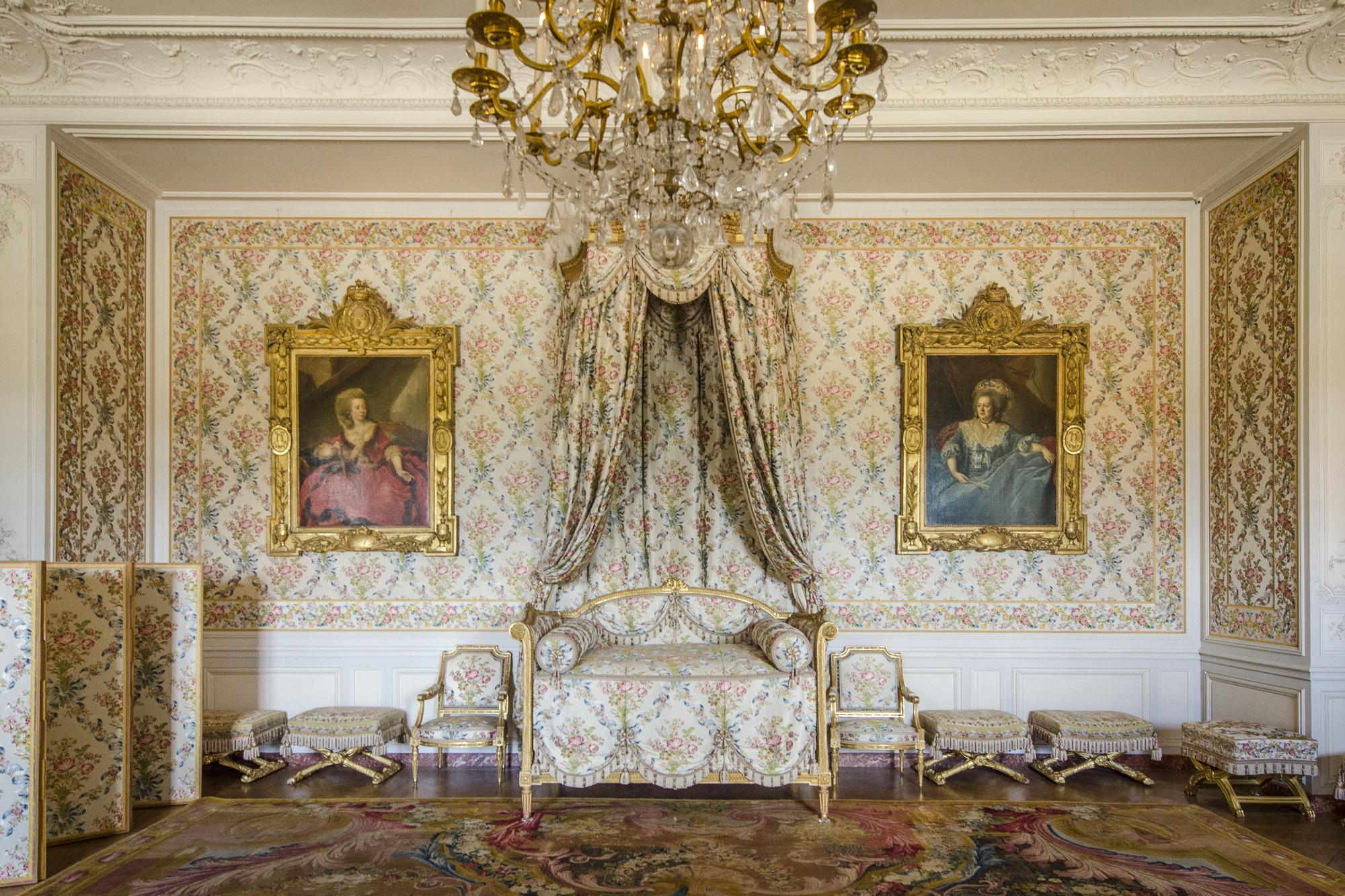 Chambre de Madame Adélaïde  PHOTOGRAPHY: ALEXANDER J.E. BRADLEY • NIKON D500 • AF-S NIKKOR 24-70mm f/2.8G ED @ 24mm • Ƒ/6.3 • 1/30• ISO 1600