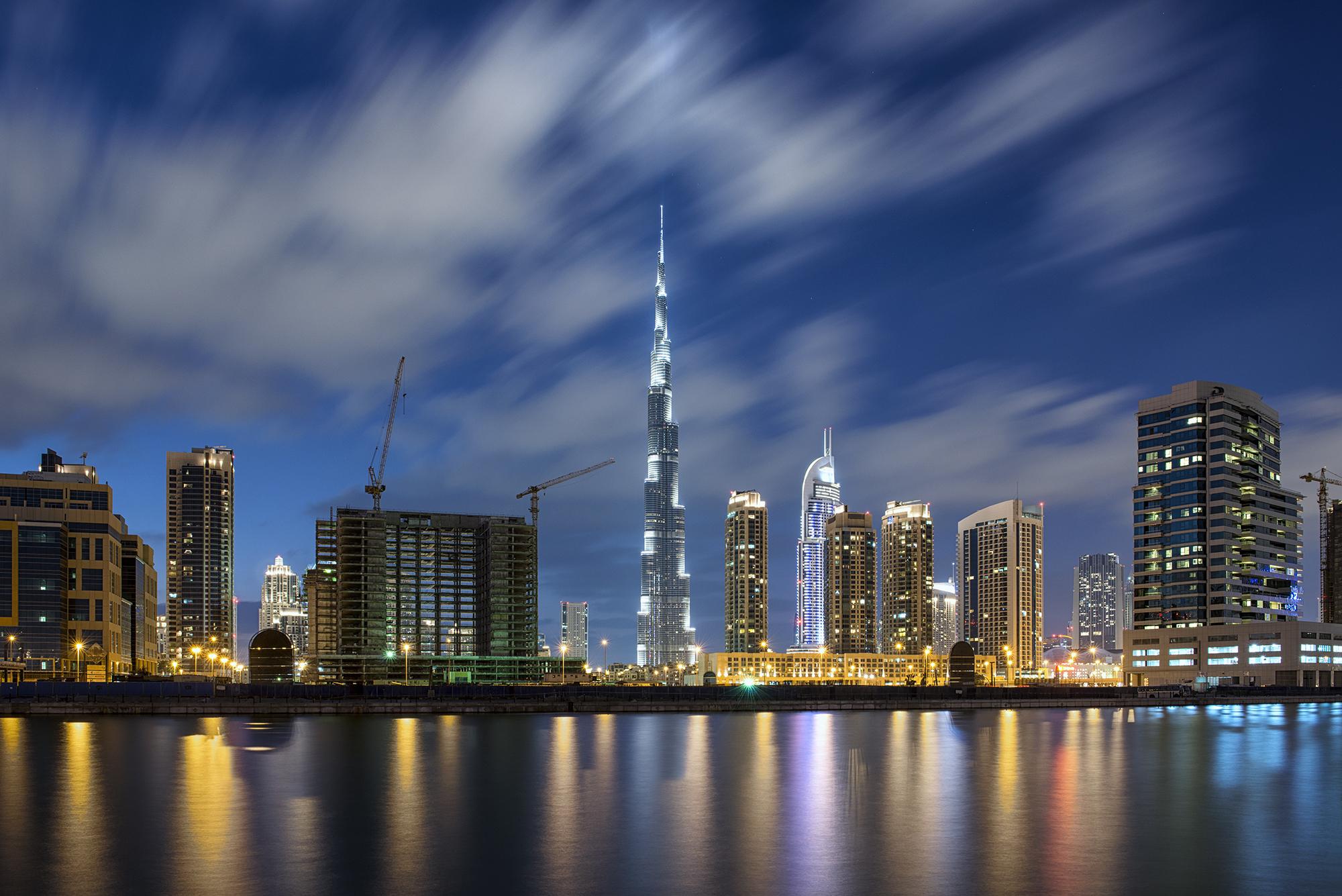 Burj Khalifa from the canal.jpg