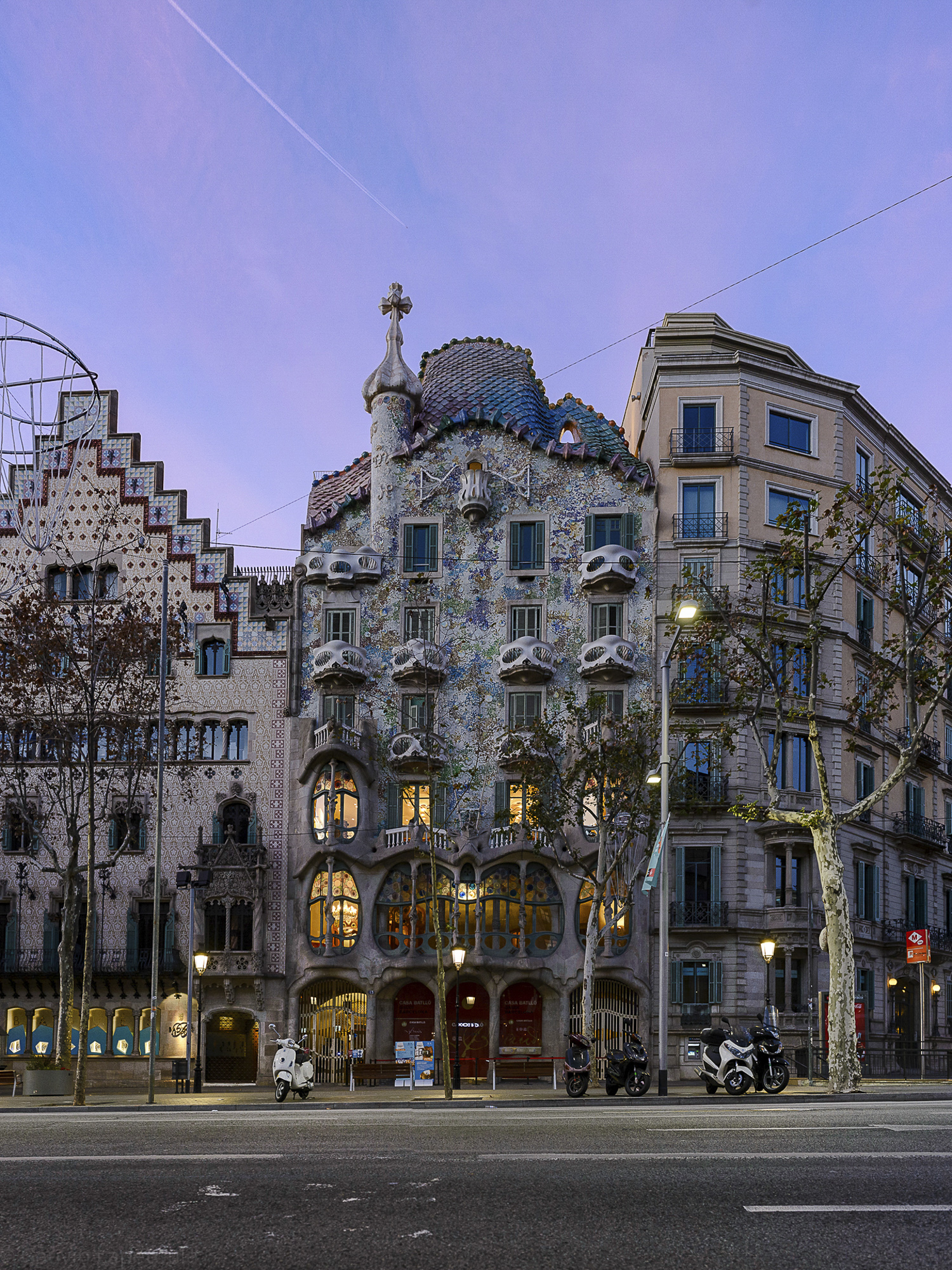 Barcelona-Gauvin-001-aperture-tours.jpg