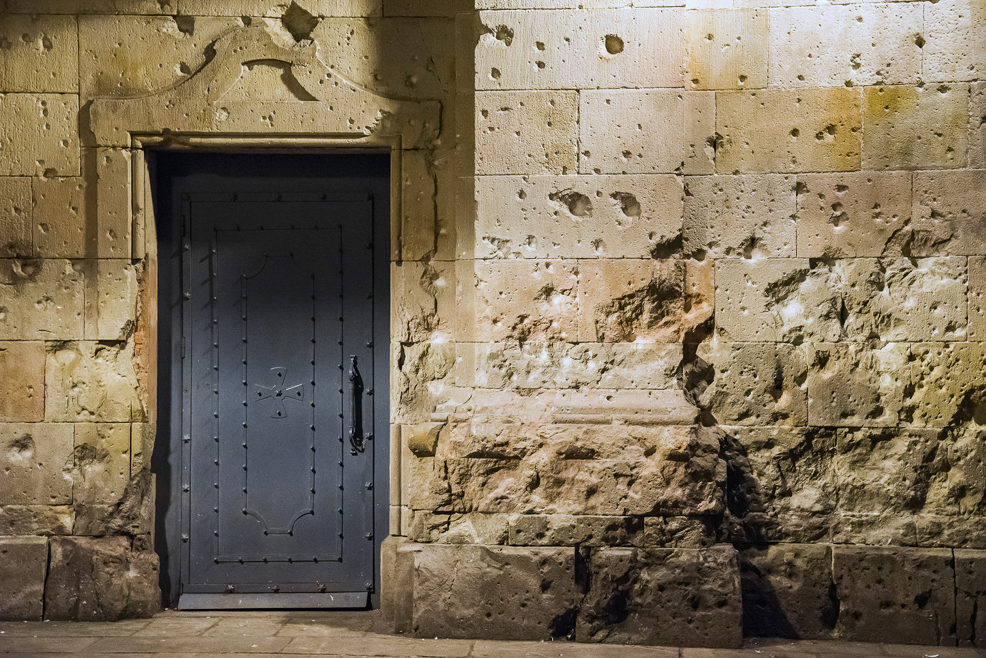 Barcelona-Delphine-012-aperture-tours.jpg