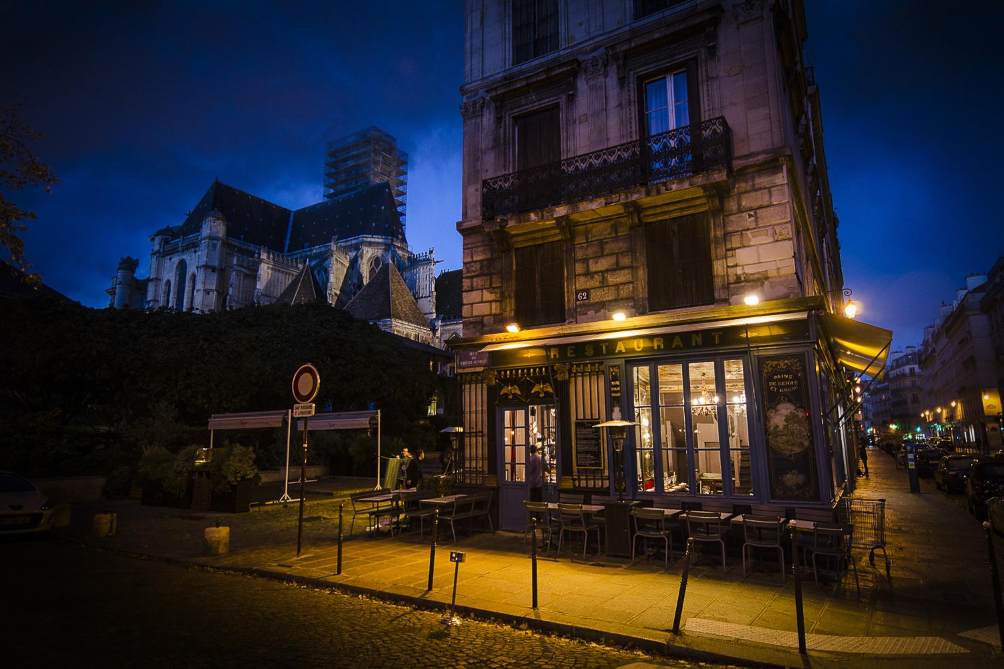 paris-night-tour-11.jpg
