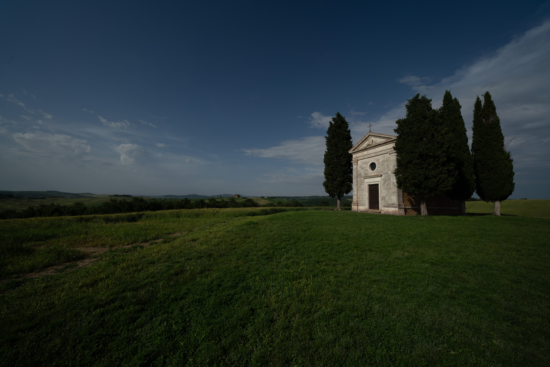 Cappella di Vitaleta Before.jpg