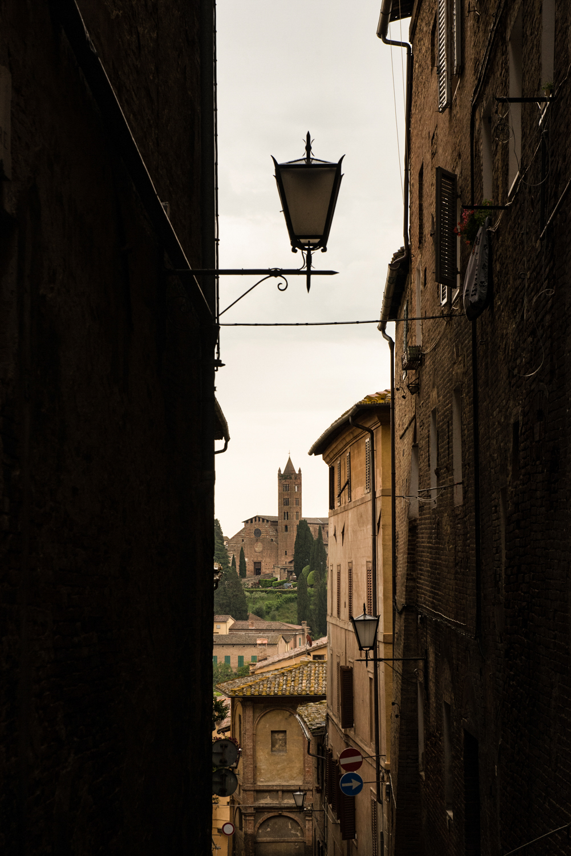 Alley in Siena  PHOTO: ANNA VOLPI • NIKON D750 • 24-70mm Ƒ/2.8 @ 70mm • Ƒ/11 • 1/200 • ISO 800