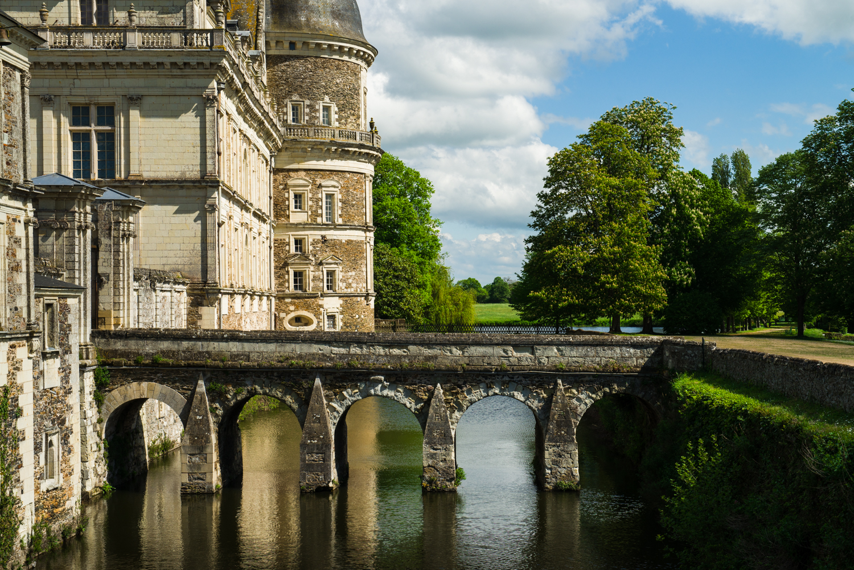 ChÂteau de Serrant, Loire Valley  PHOTOGRAPHY: William Lounsbury • NIKON D800 • AF-S NIKKOR 24-70MM F/2.8G ED @ 56MM • Ƒ/8 • 1/640 • ISO 200