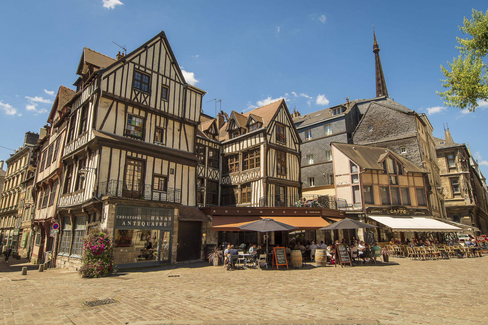 Rouen-002-aperture-tours.jpg