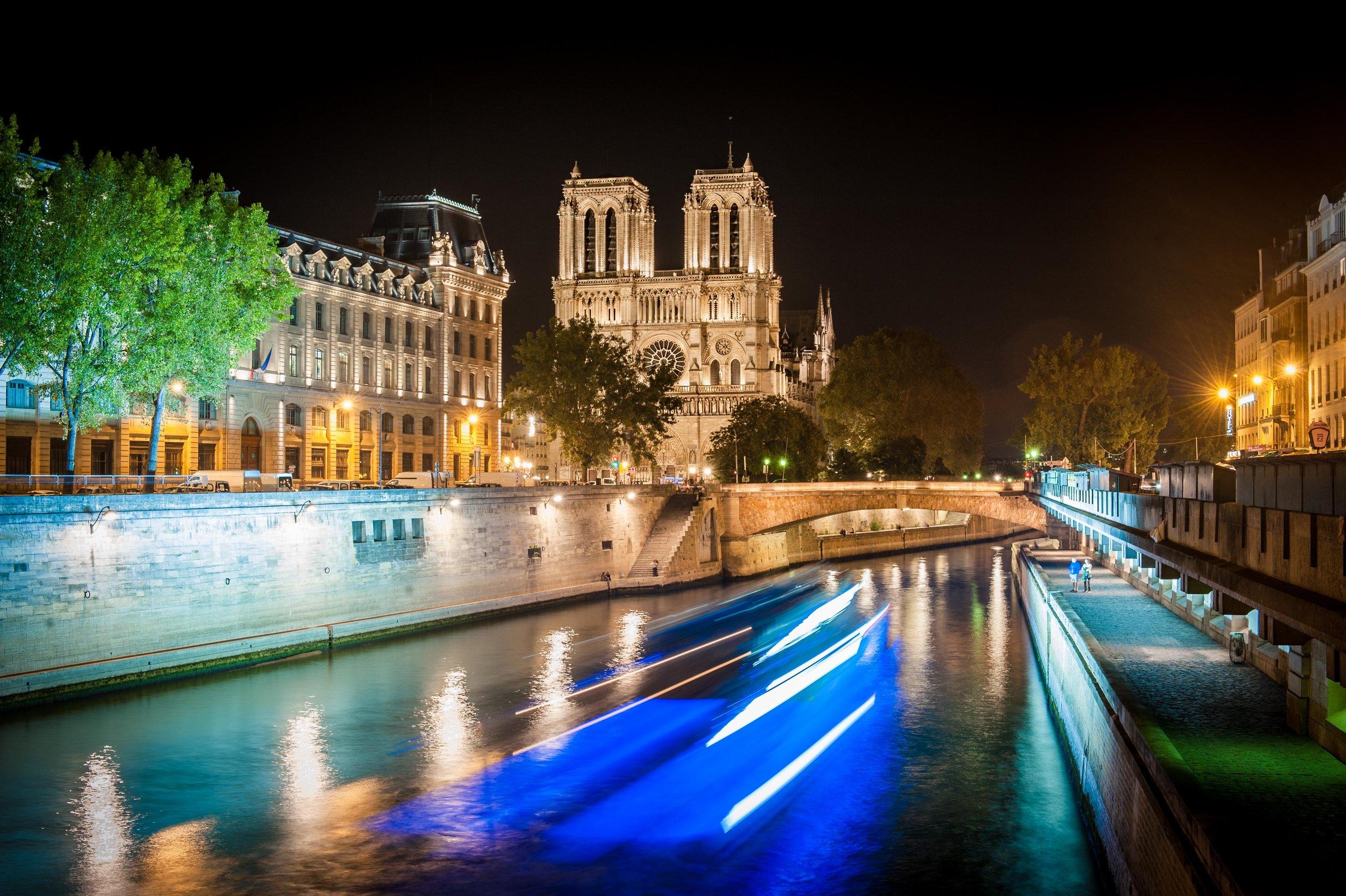 Notre Dame  PHOTOGRAPHY: Julia Keil • NIKON D700 • AF-S NIKKOR 24-70MM Ƒ/2.8G ED @ 44MM • Ƒ/11 • 8 sec • ISO 200