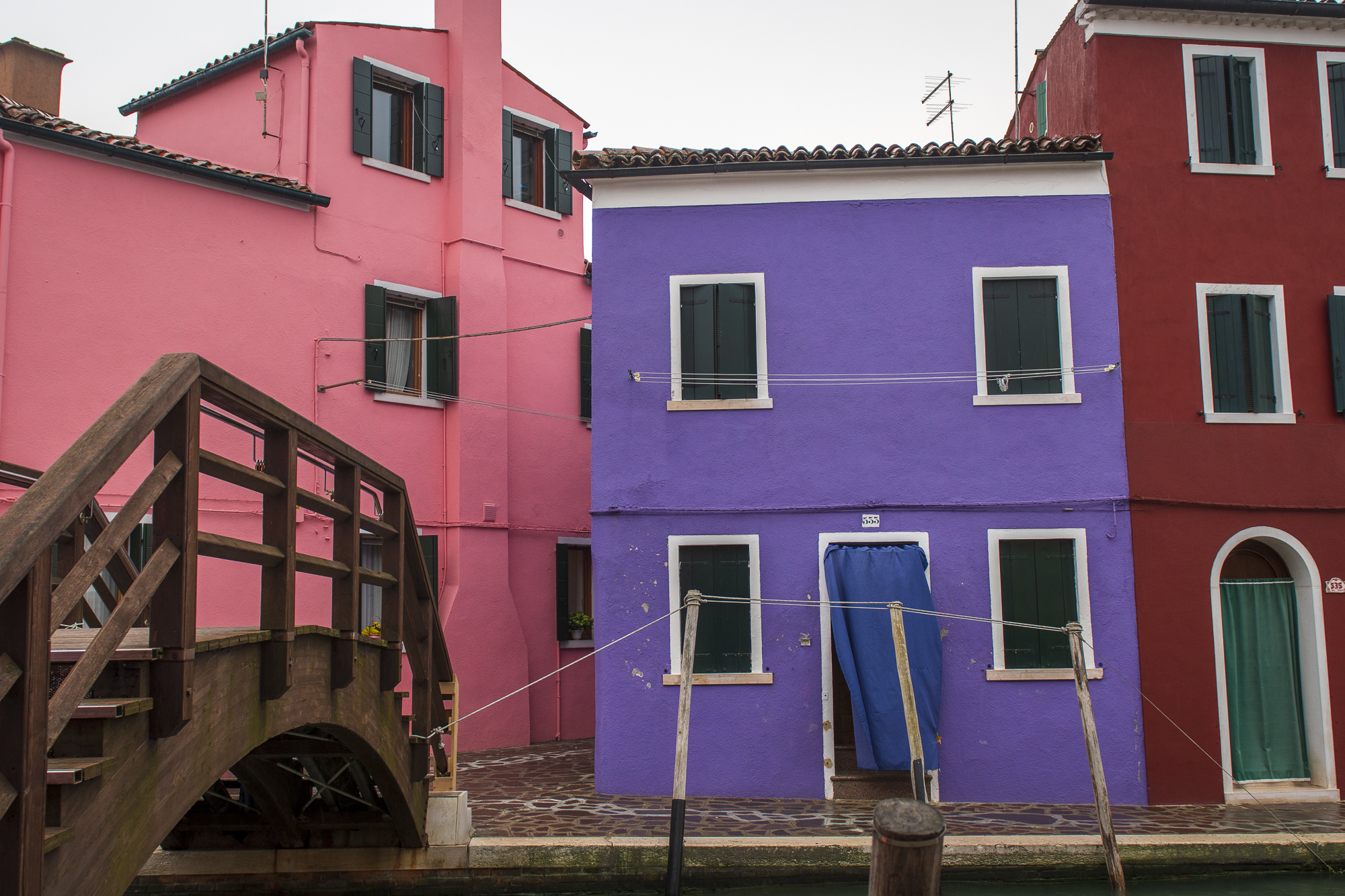 Colourful Houses, Burano  PHOTOGRAPHY: ALEXANDER J.E. BRADLEY • NIKON D500 • AF-S NIKKOR 24-70MM Ƒ/2.8G ED @ 24MM • Ƒ/4 • 1/125 SEC • ISO 200
