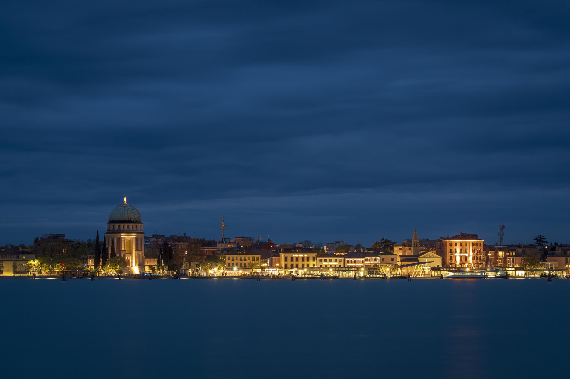 Lido di Venezia  PHOTOGRAPHY: ALEXANDER J.E. BRADLEY • NIKON D500 • AF-S NIKKOR 70-200mm ƒ/2.8 FL ED VR @ 75MM • Ƒ/8 • 15 SEC • ISO 100
