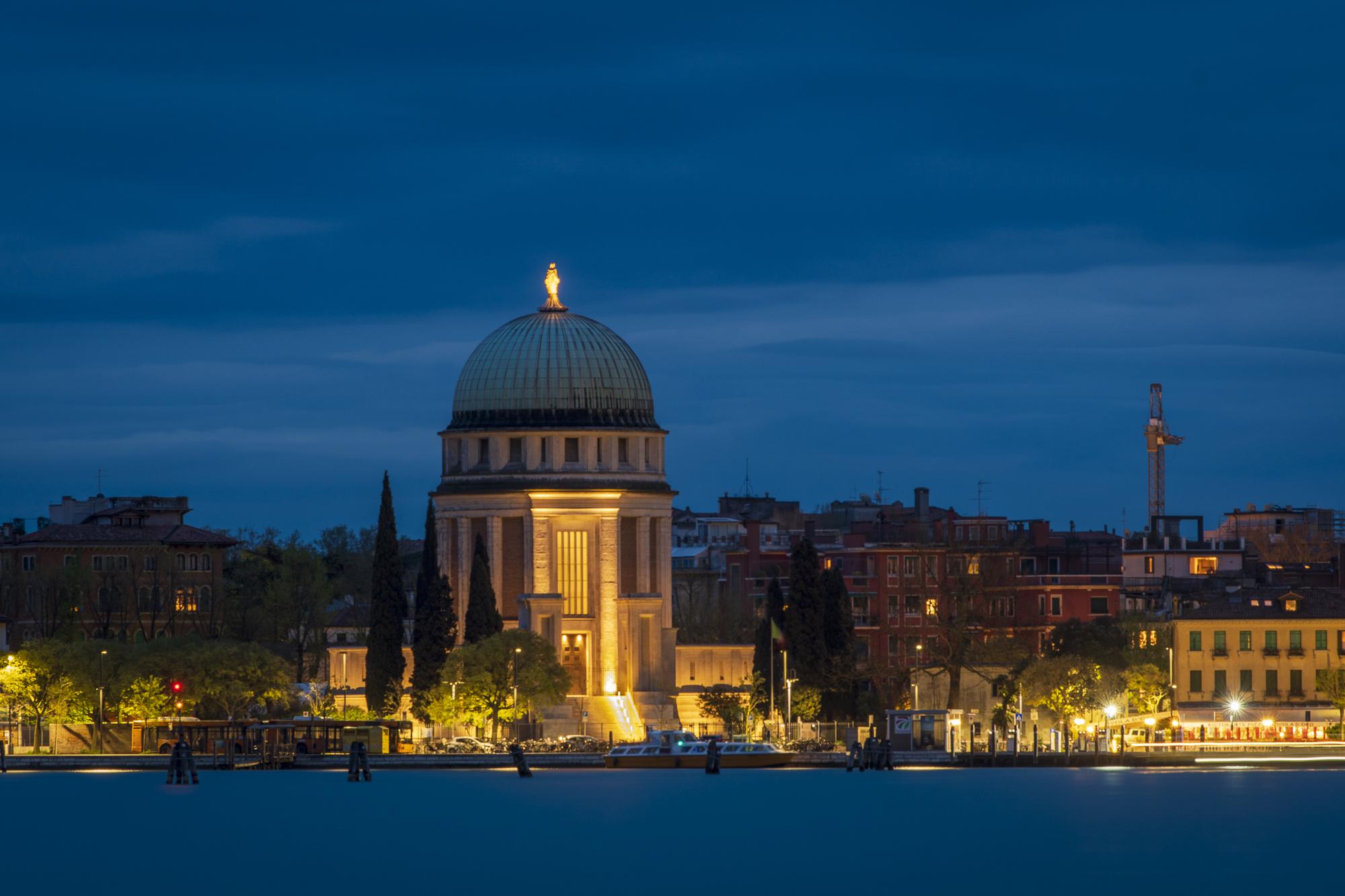 Lido di Venezia  PHOTOGRAPHY: ALEXANDER J.E. BRADLEY • NIKON D500 • AF-S NIKKOR 70-200mm ƒ/2.8 FL ED VR @ 200MM • Ƒ/8 • 15 SEC • ISO 100