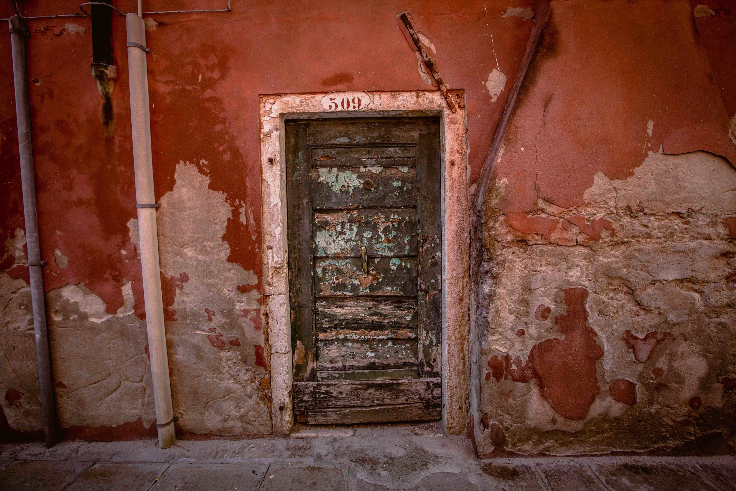 Giudecca  PHOTOGRAPHY: Mirko Fin • Canon EOS 6D • EF16-35mm Ƒ/2.8L @ 38MM • Ƒ/8 • 1/200 SEC • ISO 800