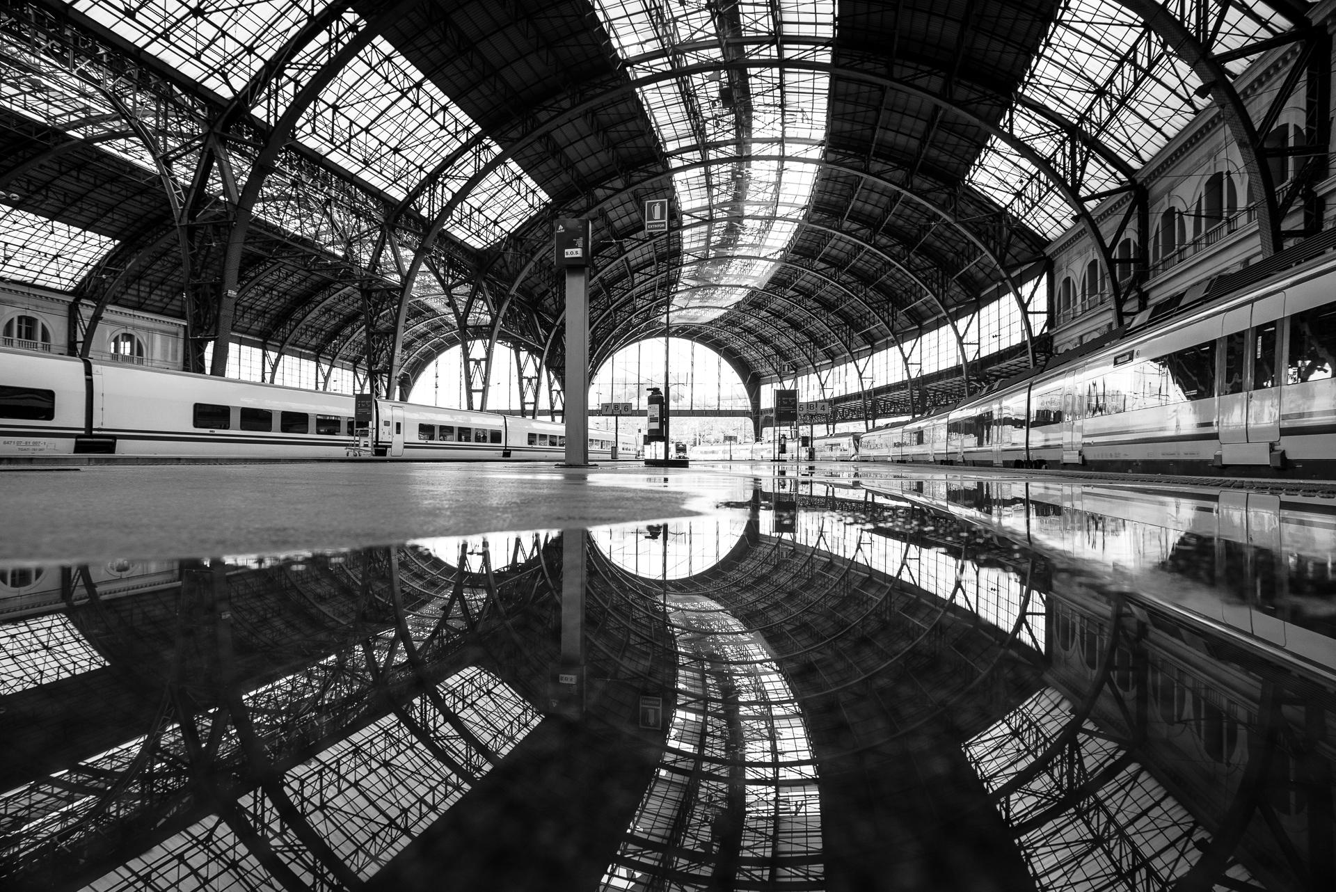 Estacion de Francia  PHOTOGRAPHY: Gauvin Lapetoule • Nikon D600 • Nikon Nikkor 20mm Ƒ/2.8 AF-D @ 1/200s • Ƒ/8 • ISO 800