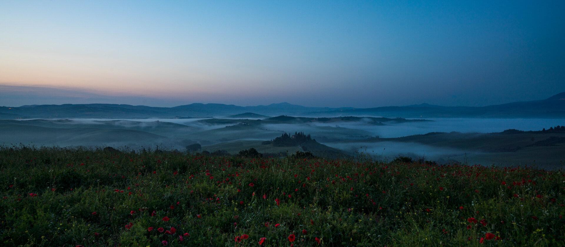 Sunrise at Podere Belvedere valley  PHOTOGRAPHY: MIRKO FIN • Sony Alpha 7R MkIII • SONY FE 55mm Ƒ/4 ZA @ Ƒ/11 • 1.3 sec • ISO 100