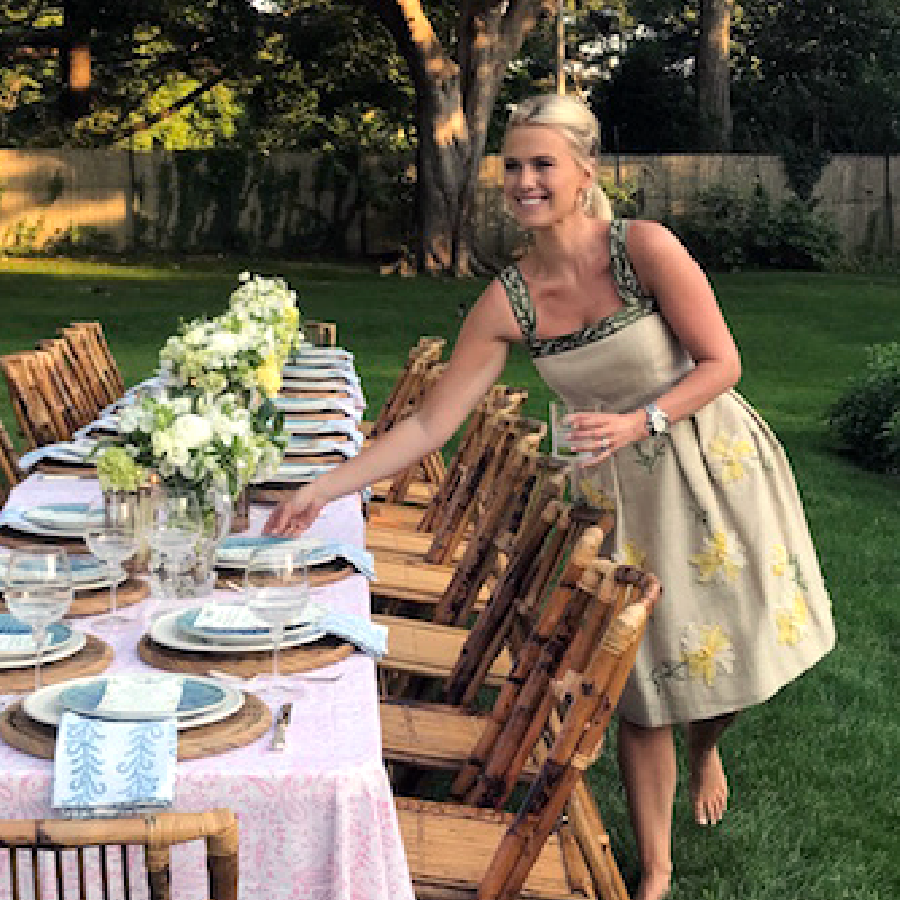 A Simple Summer Engagement Dinner in the Garden     READ MORE