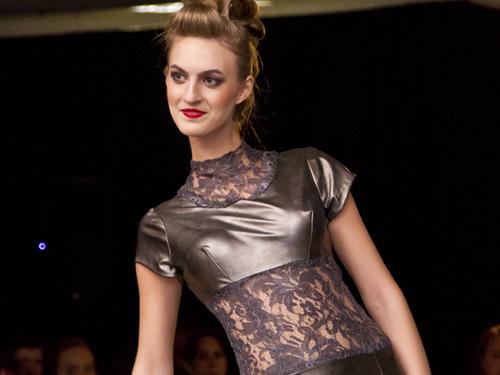 Stand-Up Fashion Show 2015 - Winning design by Sarah Kolis