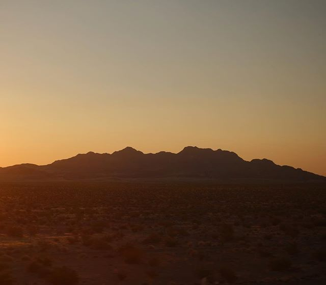 Sunrise over the desert somewhere in California - 2 nights on the train was an interesting experience... will be glad to reach San Diego . . . . . . #adventuretravel #train #amtrak #crosscountry #desert #sunrise #travelphotography #chicagotola #wanderlust #vagaband #vagabandits #exploretheworld #usa #america #california