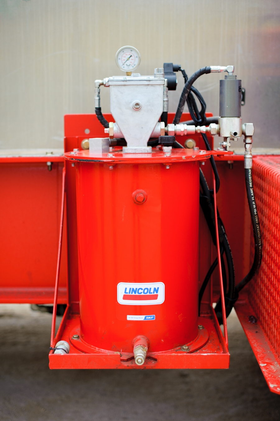 Lincoln Centro-Matic Packing Lube System For Trailer Mounted Frac