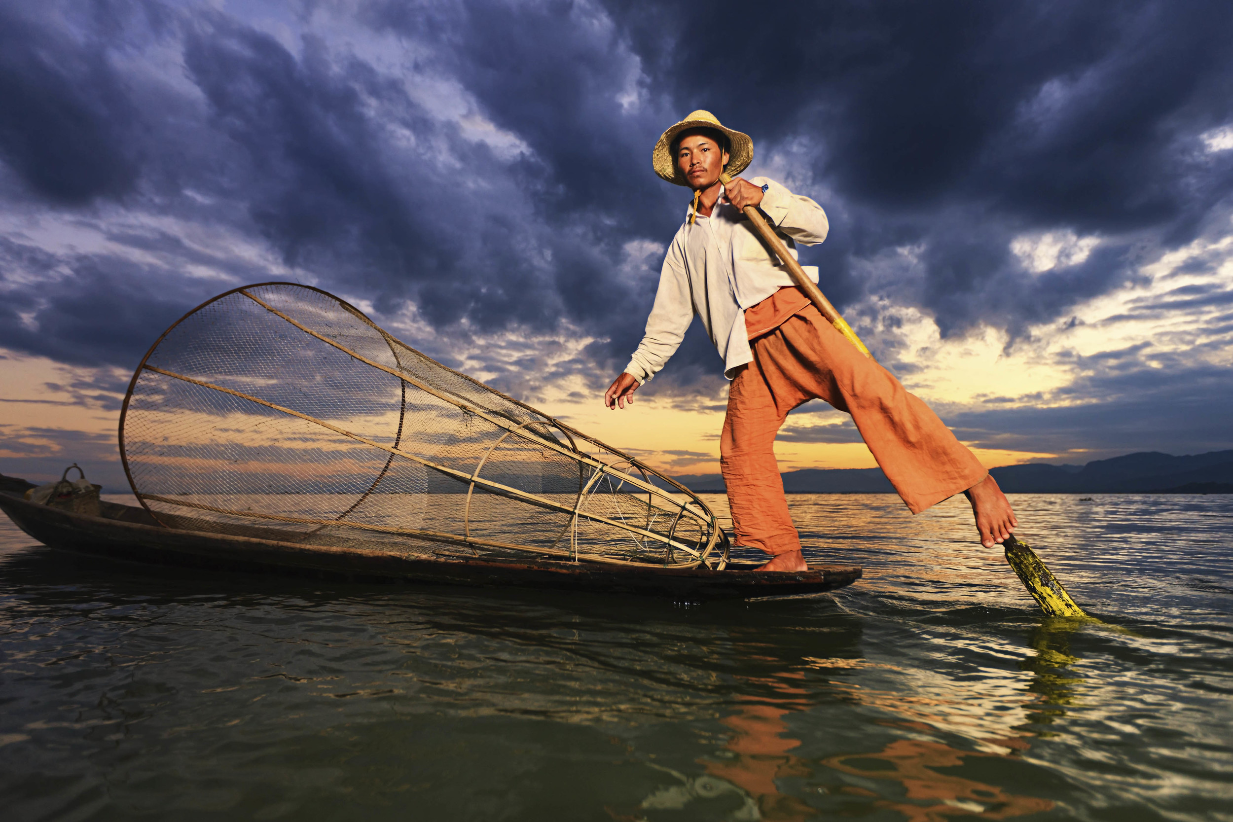 Myanmar, Inle Lake, Leg Fisherman