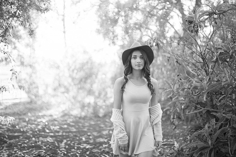 Dena_Rooney_Senior_Portrait_Photographer_023.jpg