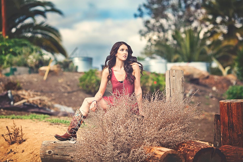 Dena_Rooney_Senior_Portrait_Photographer_056.jpg