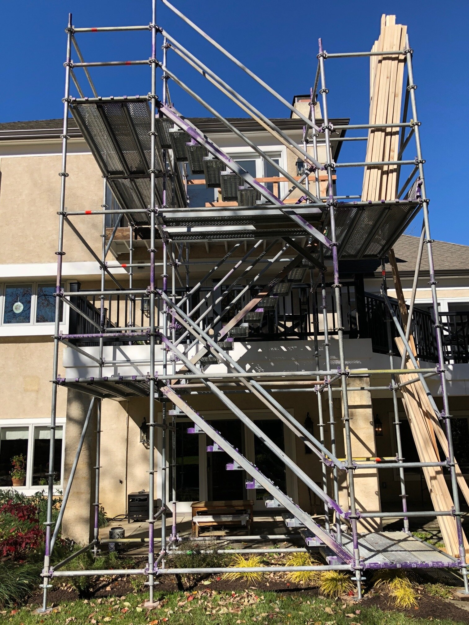 Custom scaffolding enabled all work to proceed with the rest of the home remaining undisturbed.
