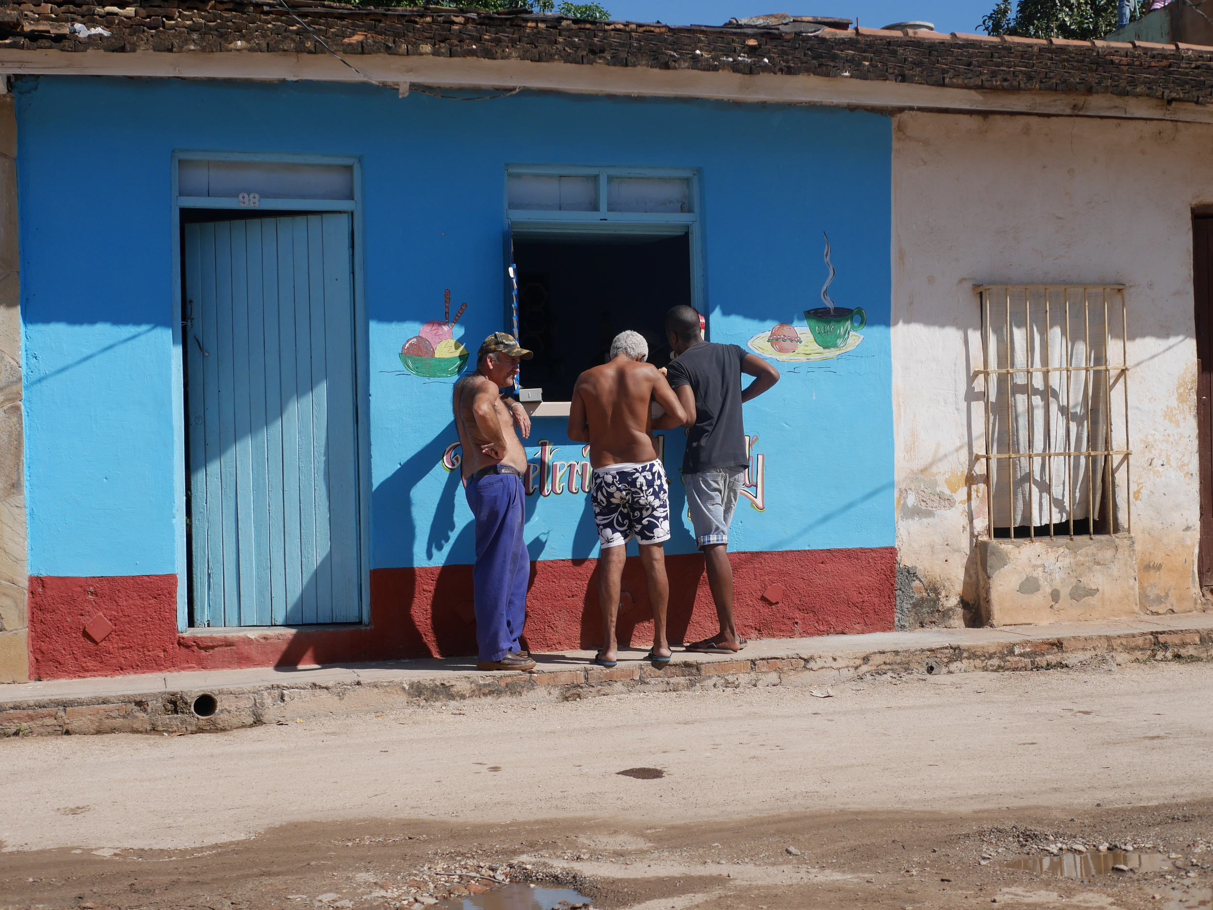 This is how you stop for a coffee in Cuba. Drink it at the window, give it back and go about your day. No waste!