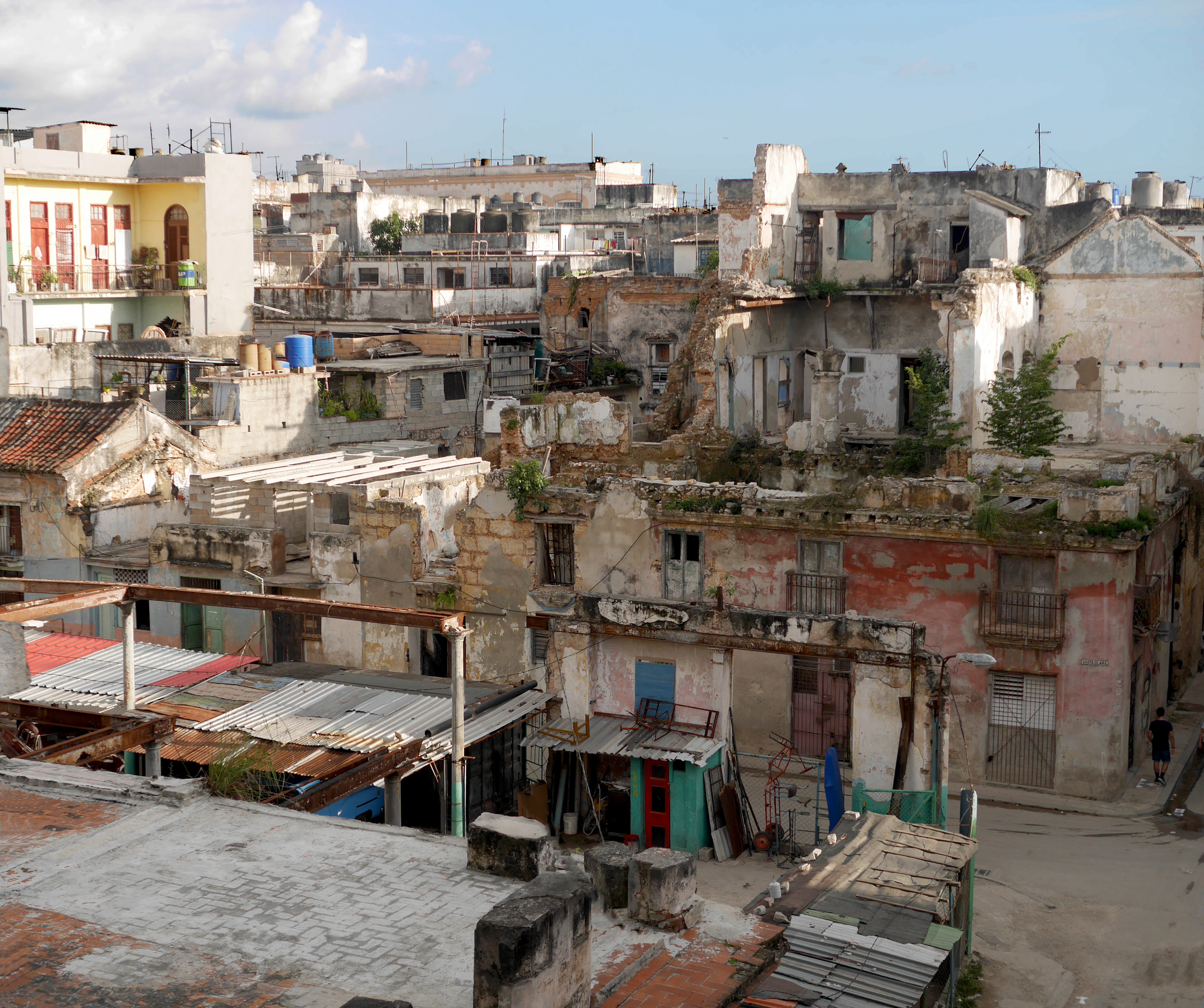My first view of Old Havana. Looking right...