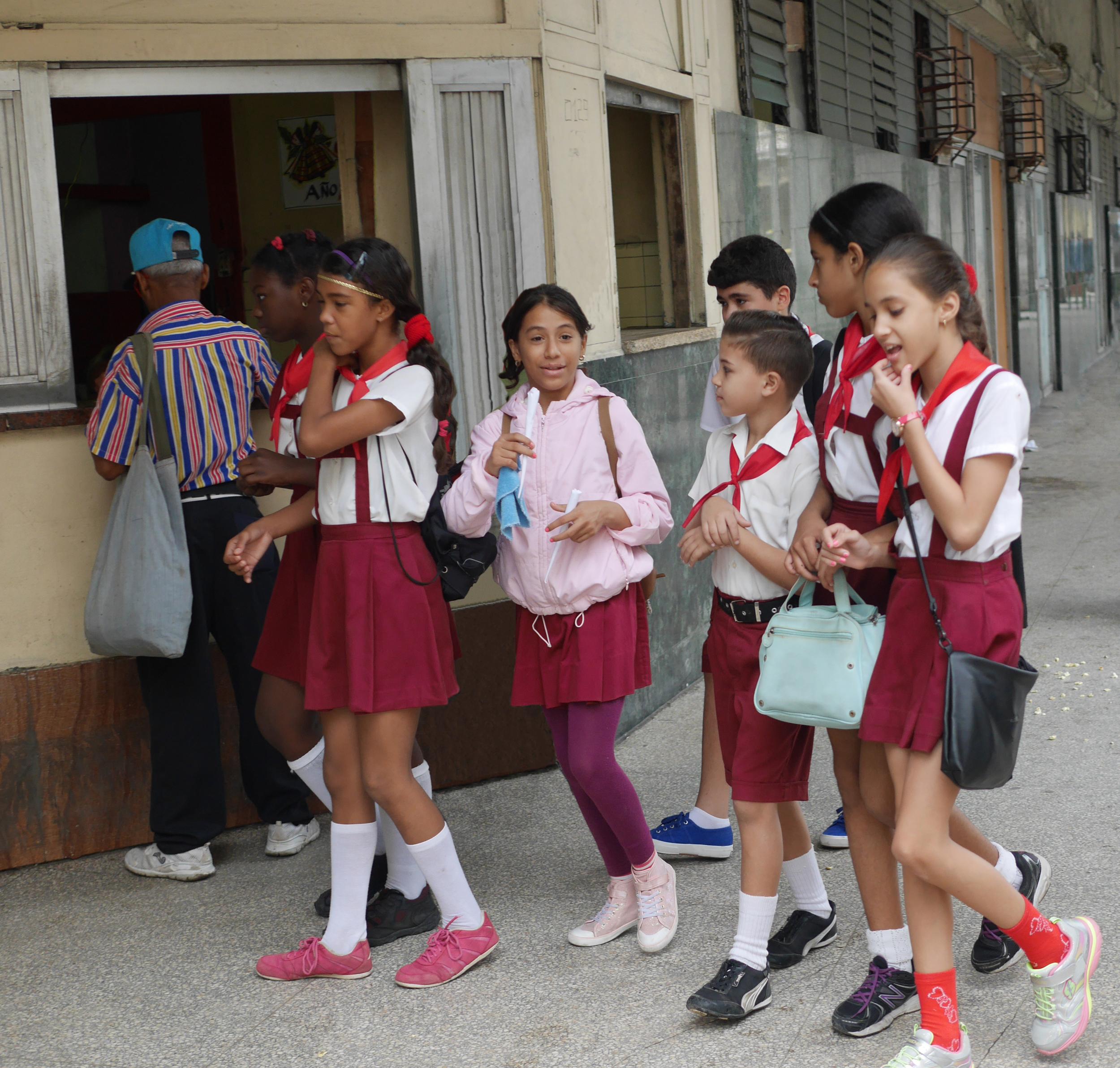 School kids heading home