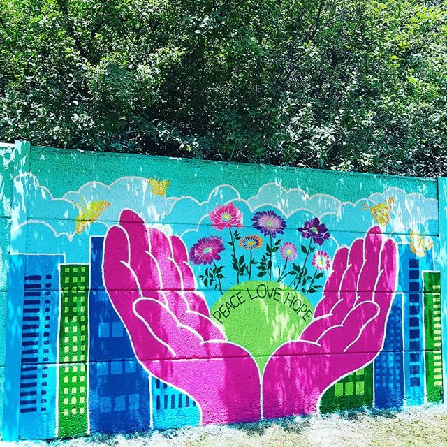 This past weekend, I had the privilege of supporting an incredible group of womxn from Rexdale to paint their first mural 🌺 Since starting @womxnpaint in 2017, I've wanted to grow the project to include an opportunity for community members to transform their ideas into a mural, and this year, thanks to my incredible project partners and sponsors, the dream became a reality. My heart is full and I can't wait for the #womxnpaintto jam this weekend. #empoweredwomxnempowerwomxn 💖🧡💛💚💙💜 This project is made possible by support from the @cityofto and @start_streetartoronto as a signature project of @culturalhotspot and @torontopearson with paint sponsored by @duluxcanada. Thank you to my incredible partners @artsetobicoke @stepsinitiative & @muralroutes.  This mural was the first to be completed as part of Augmented Representations: The North Etobicoke Mural Project #ARmural2019 on Finch Ave W between Kipling and Islington. #publicart #muralart