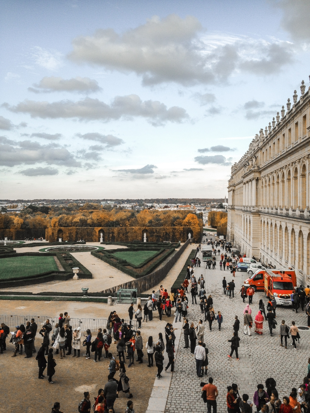 the_louvre_paris_tips_for_new_travelers
