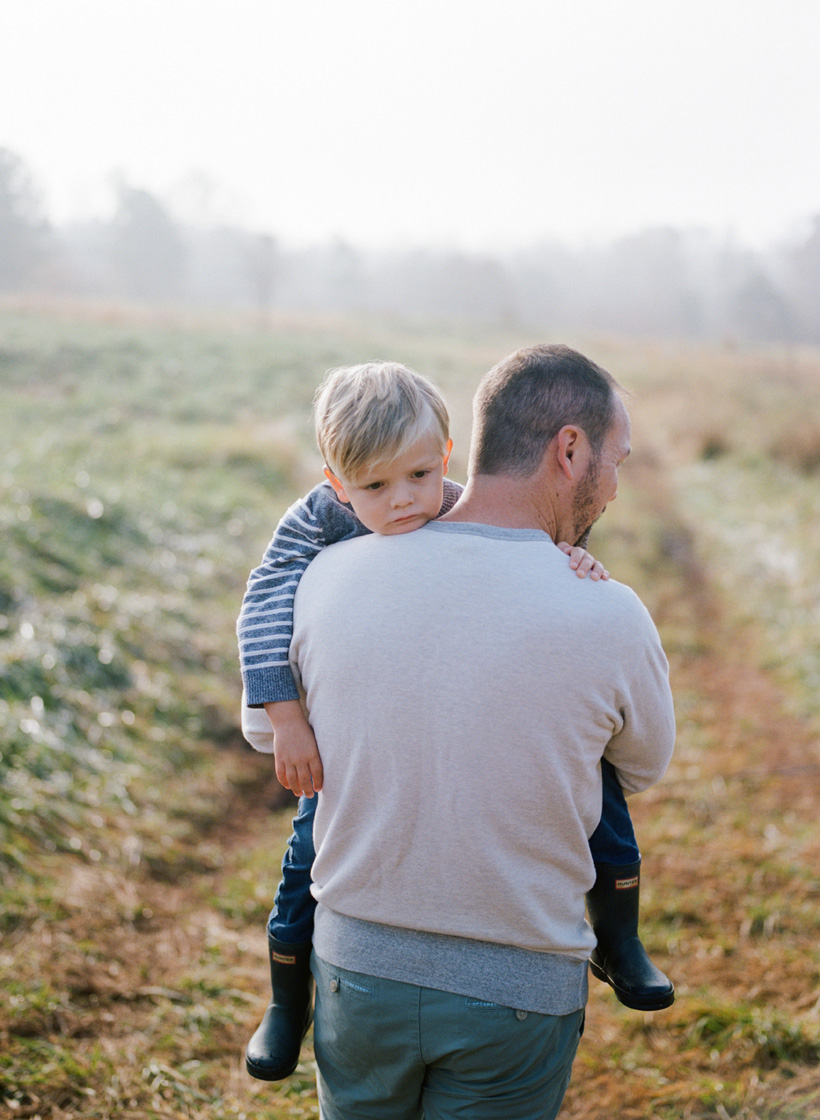 Creating meaningful family photos at Serenbe - photo by Kat Braman