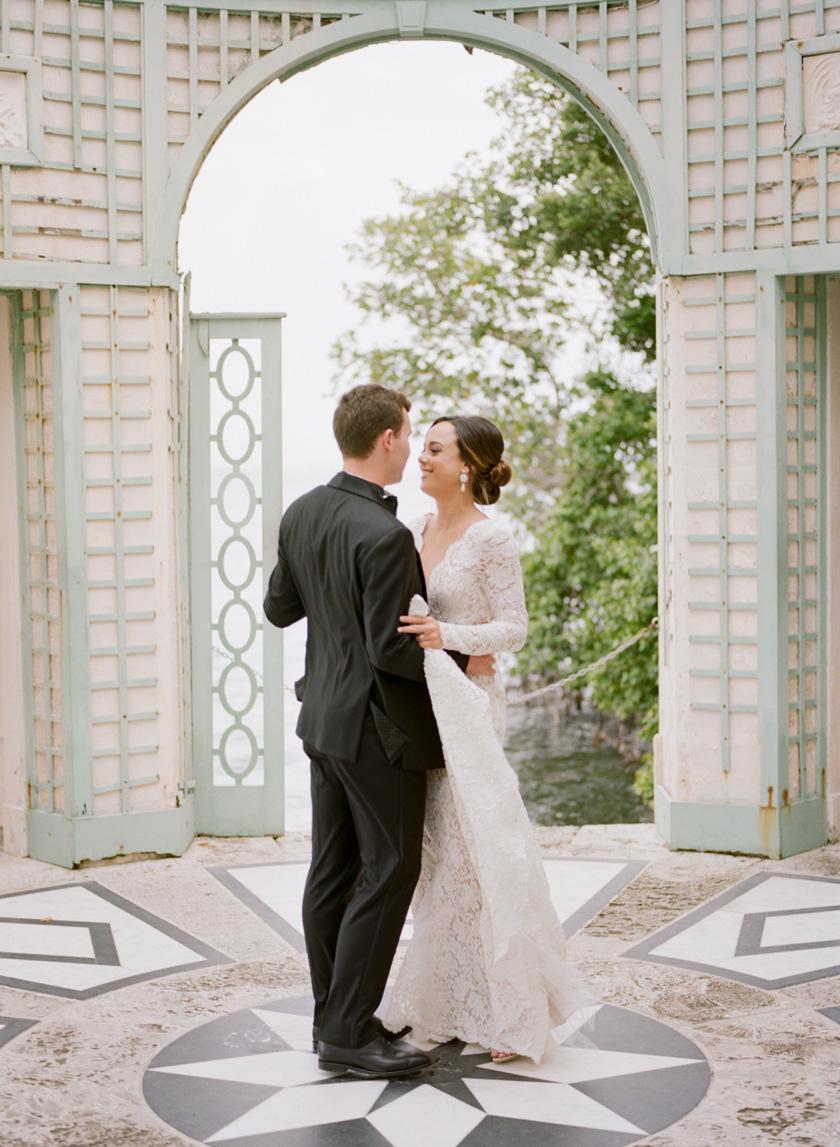 Wedding photos at Vizcaya in Miami