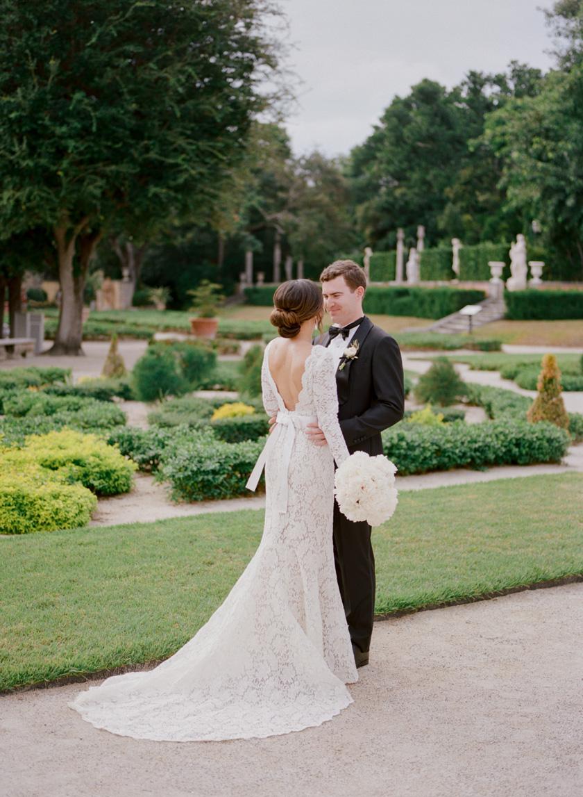 Bride and groom photos at Vizcaya