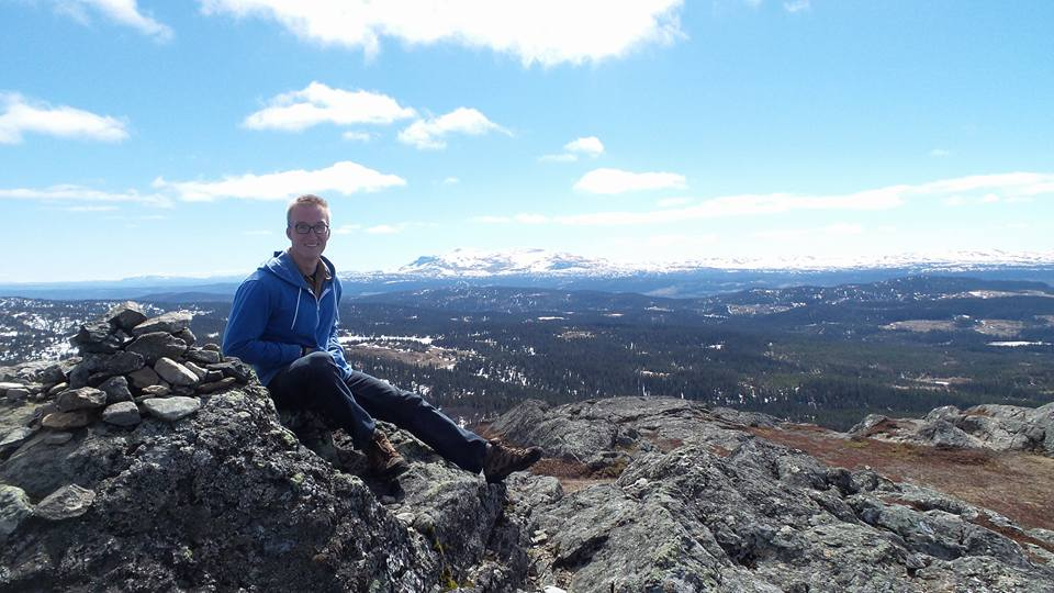 Jared takes a break on top of Åreskutan, a mountain in central Sweden, during his recent Workaway trip
