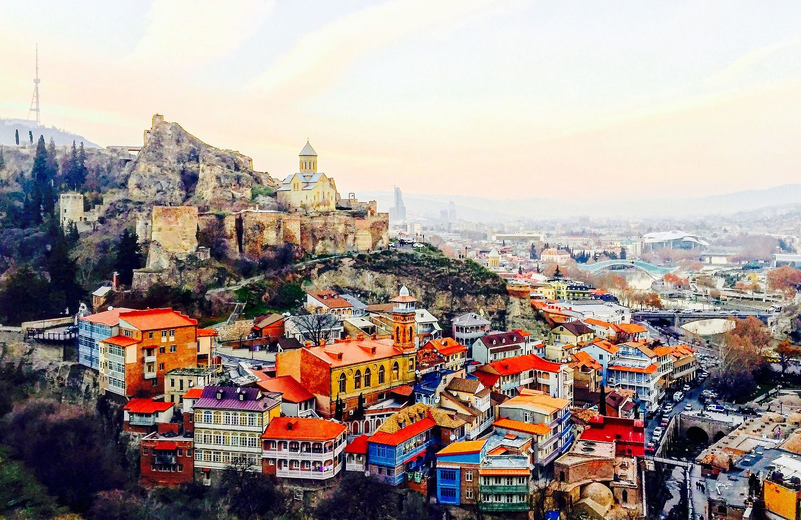 A panoramic view of the Georgian capital of Tbilisi (Image:  Wikimedia Commons )
