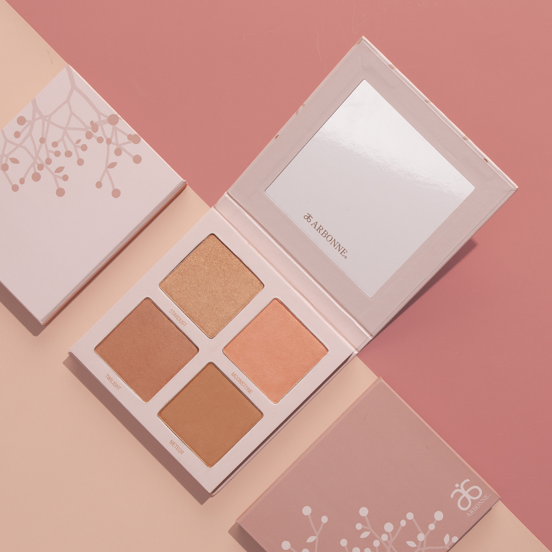 Starlight Glow Palette - Highlight, blush, bronze, and contour - all with this beautiful multi-use palette. Neutral tones are perfect for all skin tones.